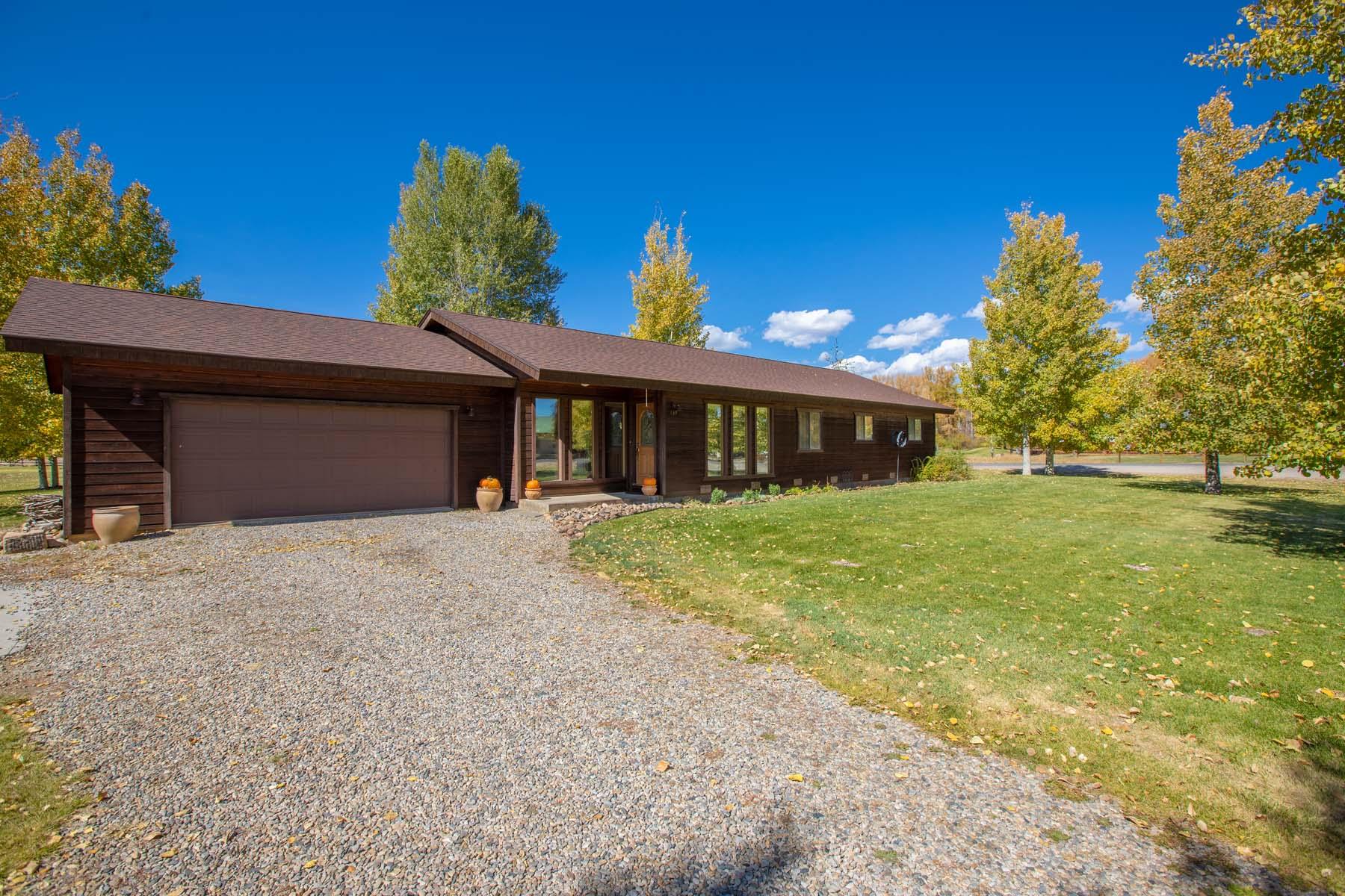 Single Family Homes for Active at Dos Rios Golf Course Home 733 Fairway Lane Gunnison, Colorado 81230 United States