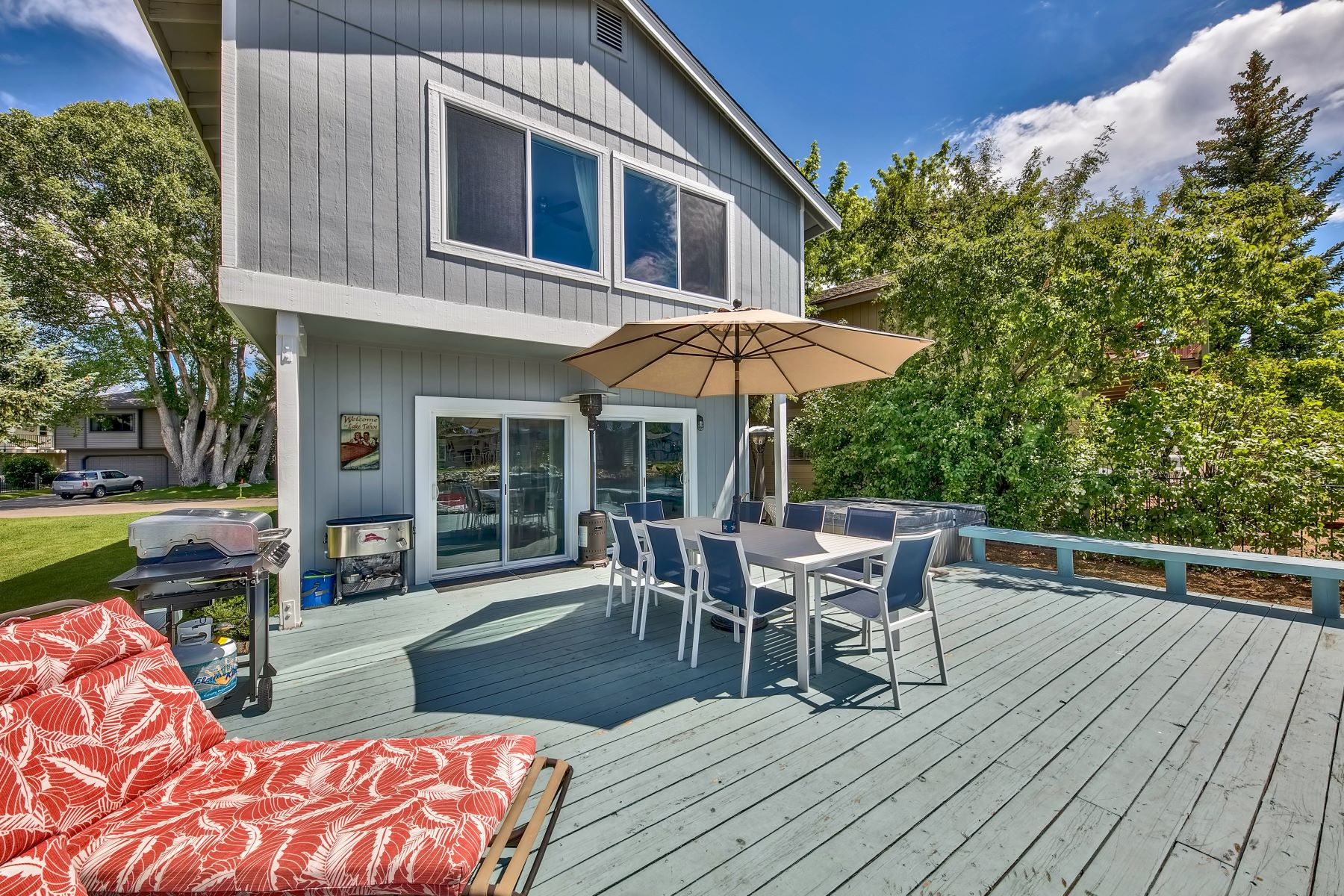 Additional photo for property listing at Stunning Location. 472 Christie Drive South Lake Tahoe, California 96150 United States