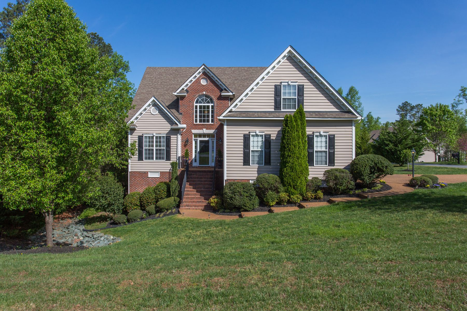 Single Family Homes por un Venta en 71 Branch Lane Zion Crossroads, Virginia 22942 Estados Unidos