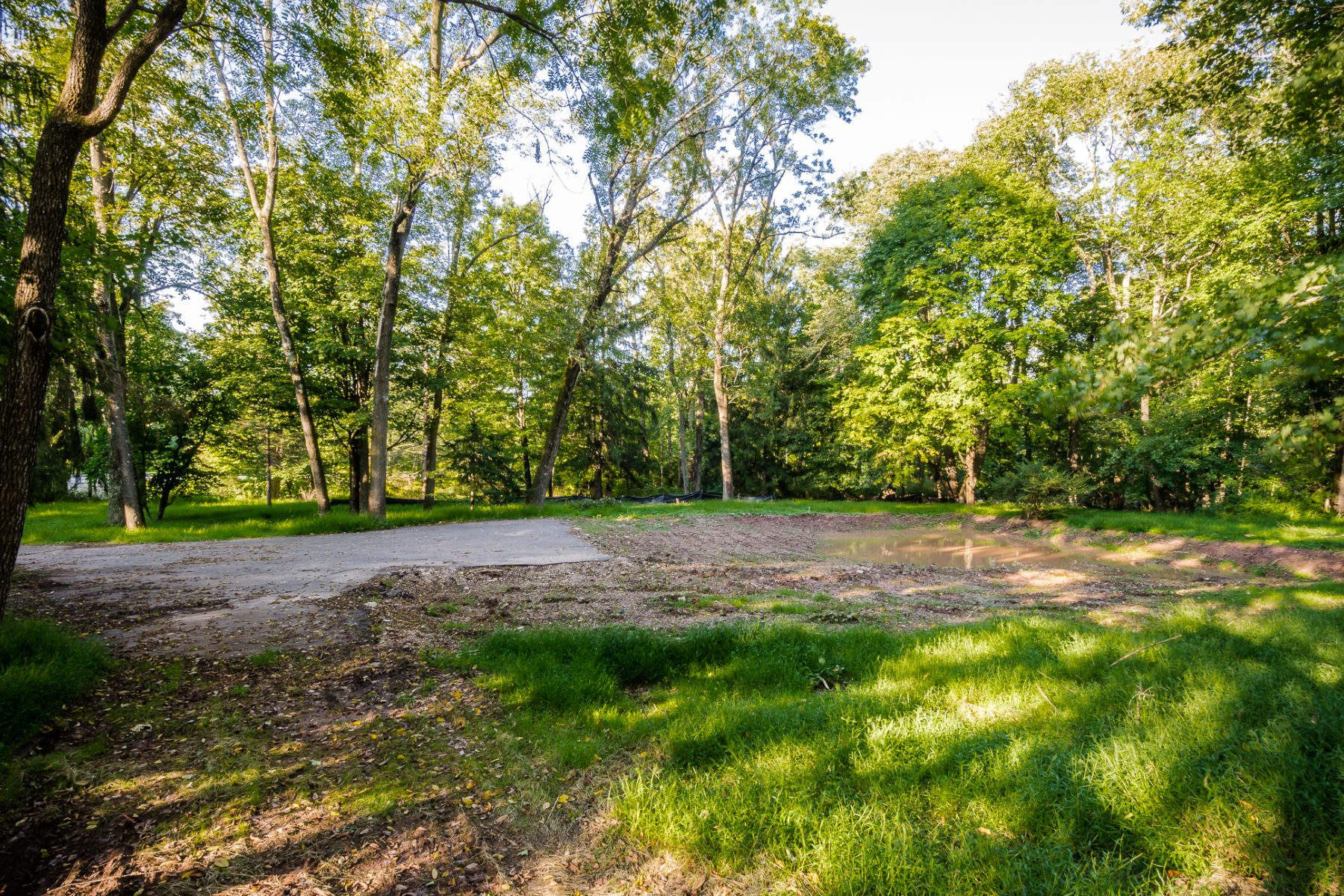 Additional photo for property listing at Build your dream house in Skillman 1.38 acres - Montgomery Township 81 Burnt Hill Road, Skillman, New Jersey 08558 United States