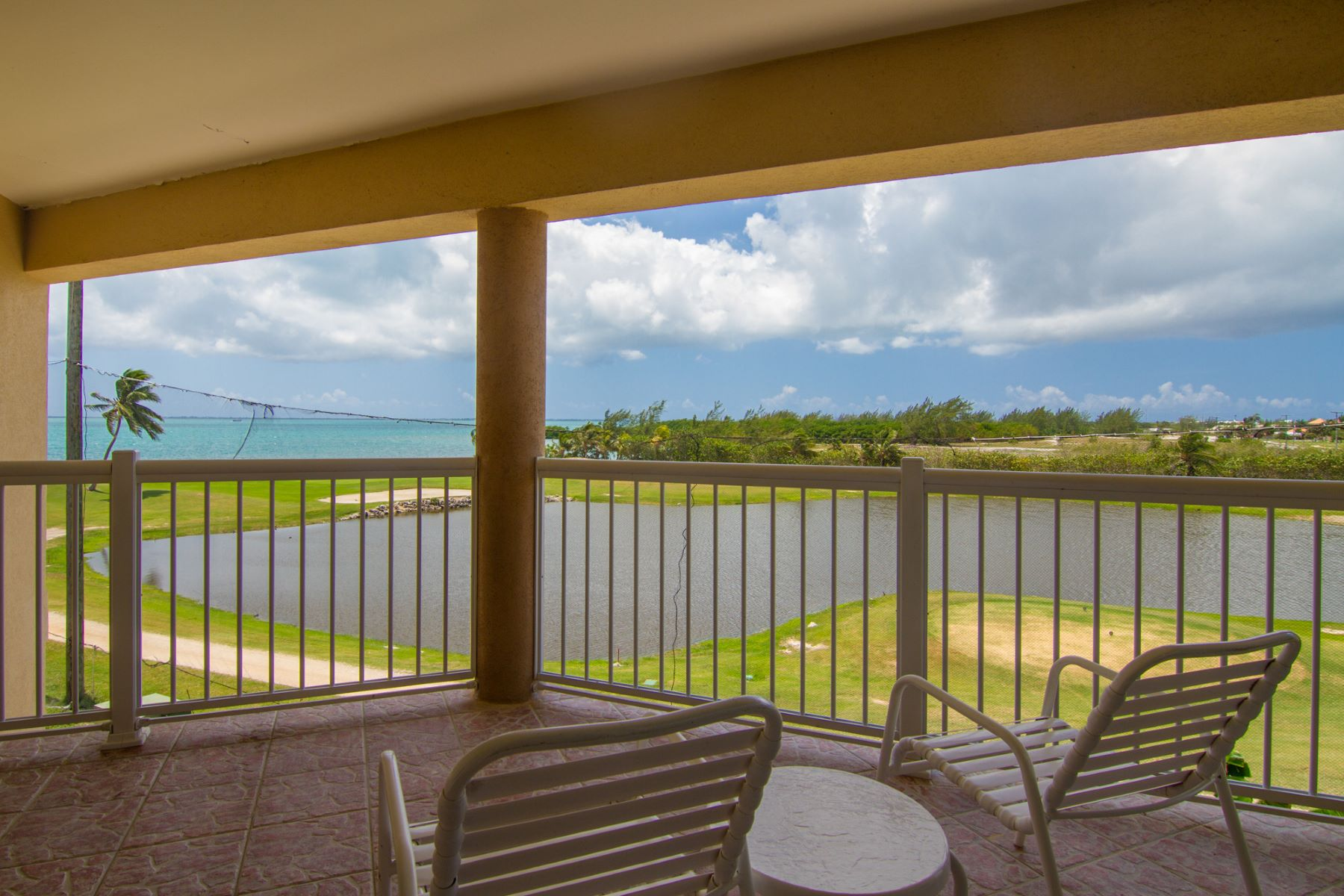 Additional photo for property listing at Grand Caymanian Resort #1305 George Town, Gran Caimán Islas Caimán