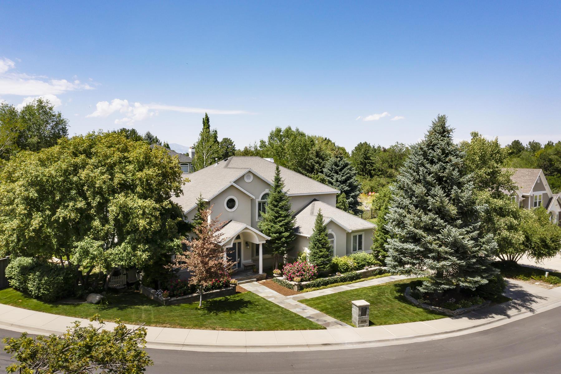 Single Family Homes için Satış at Peaceful Cottonwood Creek Setting 8690 S Willow Green Cir, Sandy, Utah 84093 Amerika Birleşik Devletleri