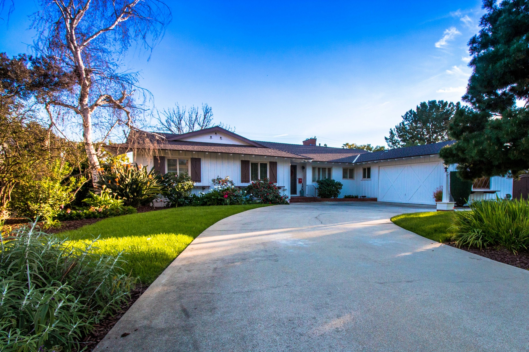 Single Family Home for Sale at 620 Wellesley Drive Claremont, California 91711 United States