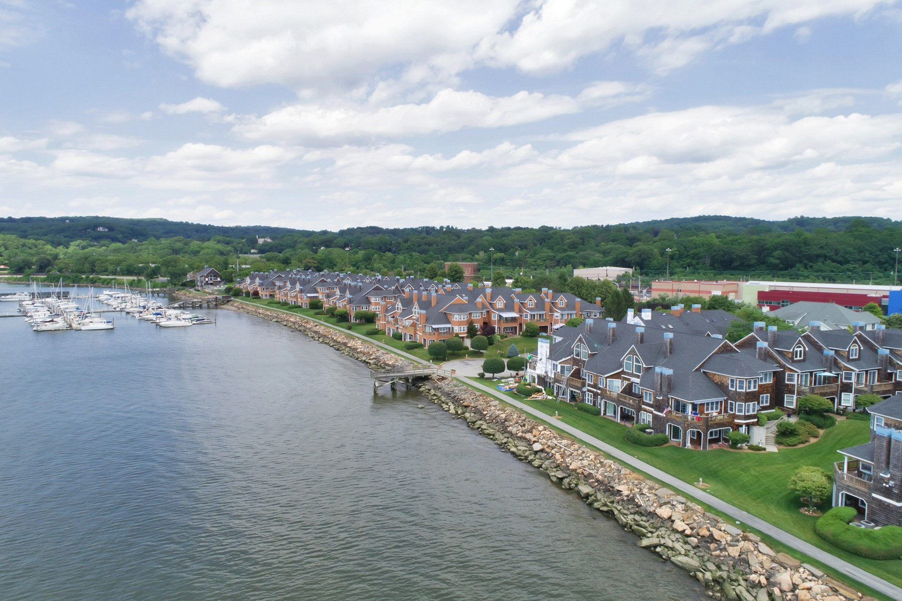 Townhouse for Sale at Waterfront 2 Bedroom Townhome 611 Half Moon Bay Drive Croton On Hudson, New York 10520 United States
