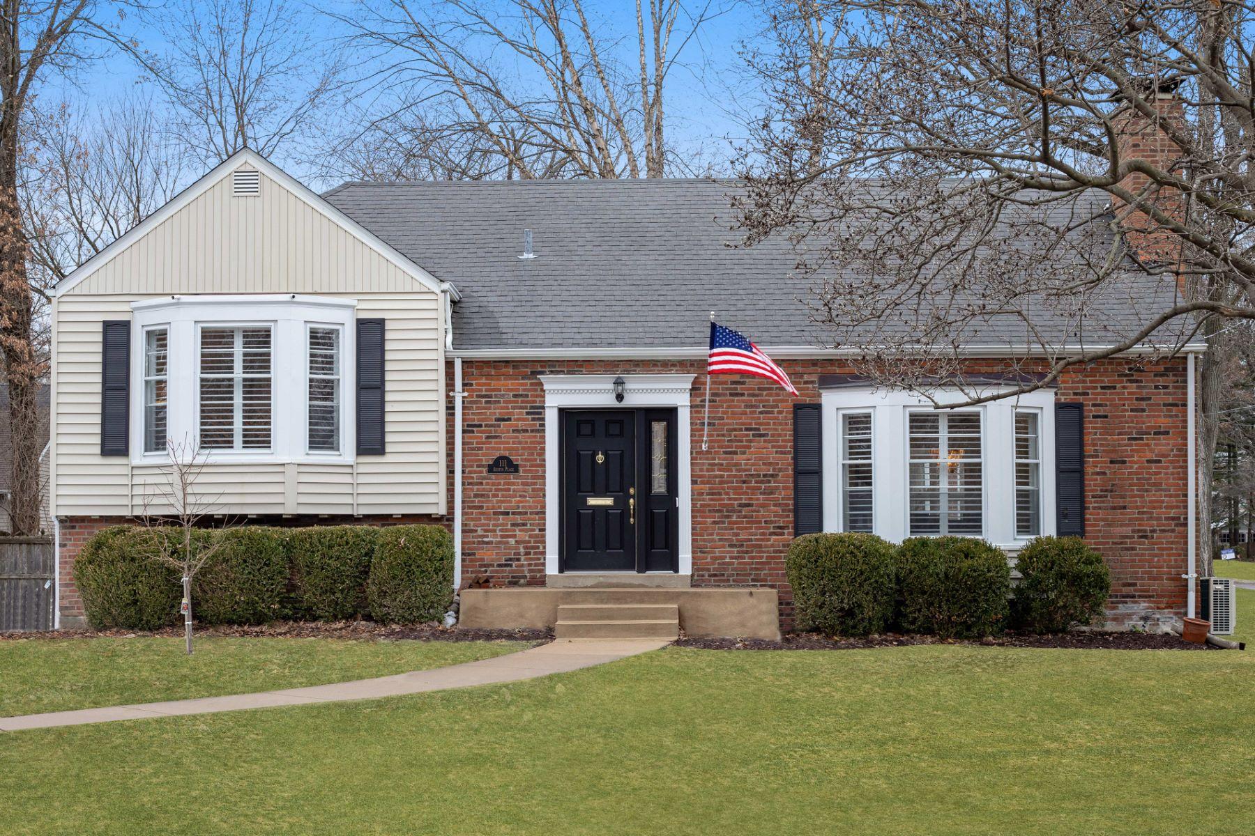 Single Family Home for Sale at Austin Place 111 Austin Place St. Louis, Missouri 63122 United States