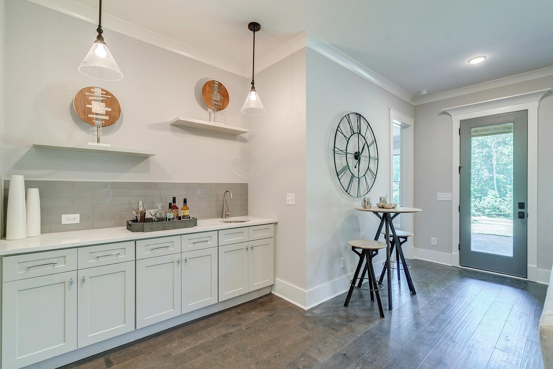 Additional photo for property listing at A Stunning Modern Farmhouse in Chestatee 115 Stoneridge Court, Dawsonville, Georgia 30534 Amerika Birleşik Devletleri