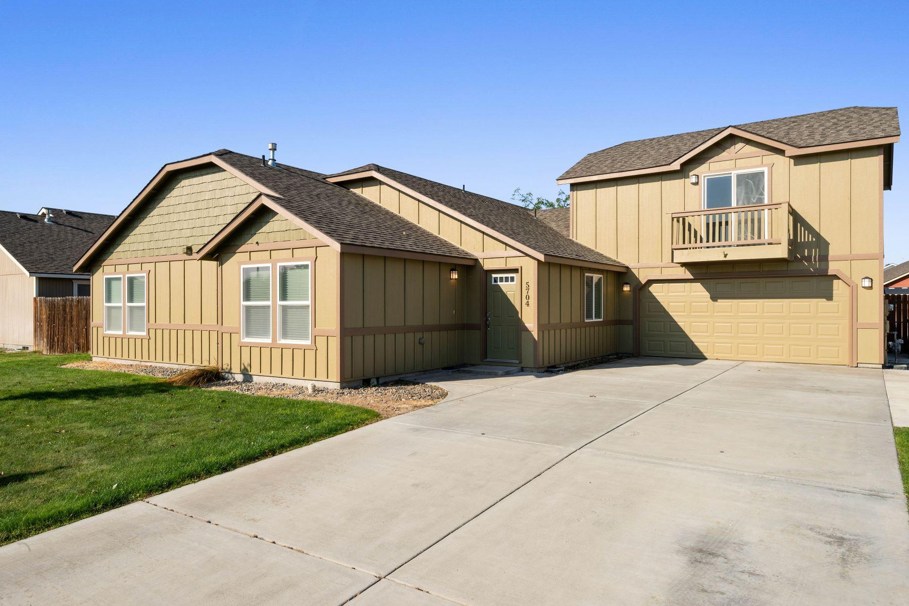 Single Family Homes por un Venta en If you want a home that allows you to just move in, you are home! 5704 Robert Wayne Drive Pasco, Washington 99301 Estados Unidos