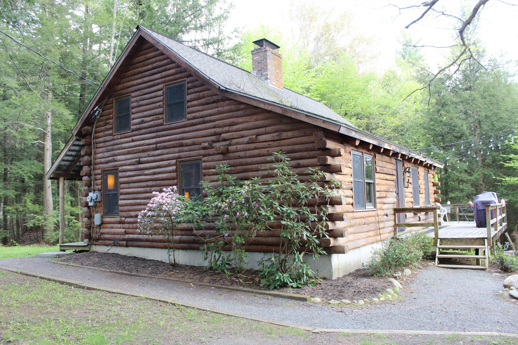 single family homes for Sale at Three Bedroom Log home in Hartland 20 Bird Hill Hartland, Vermont 05048 United States