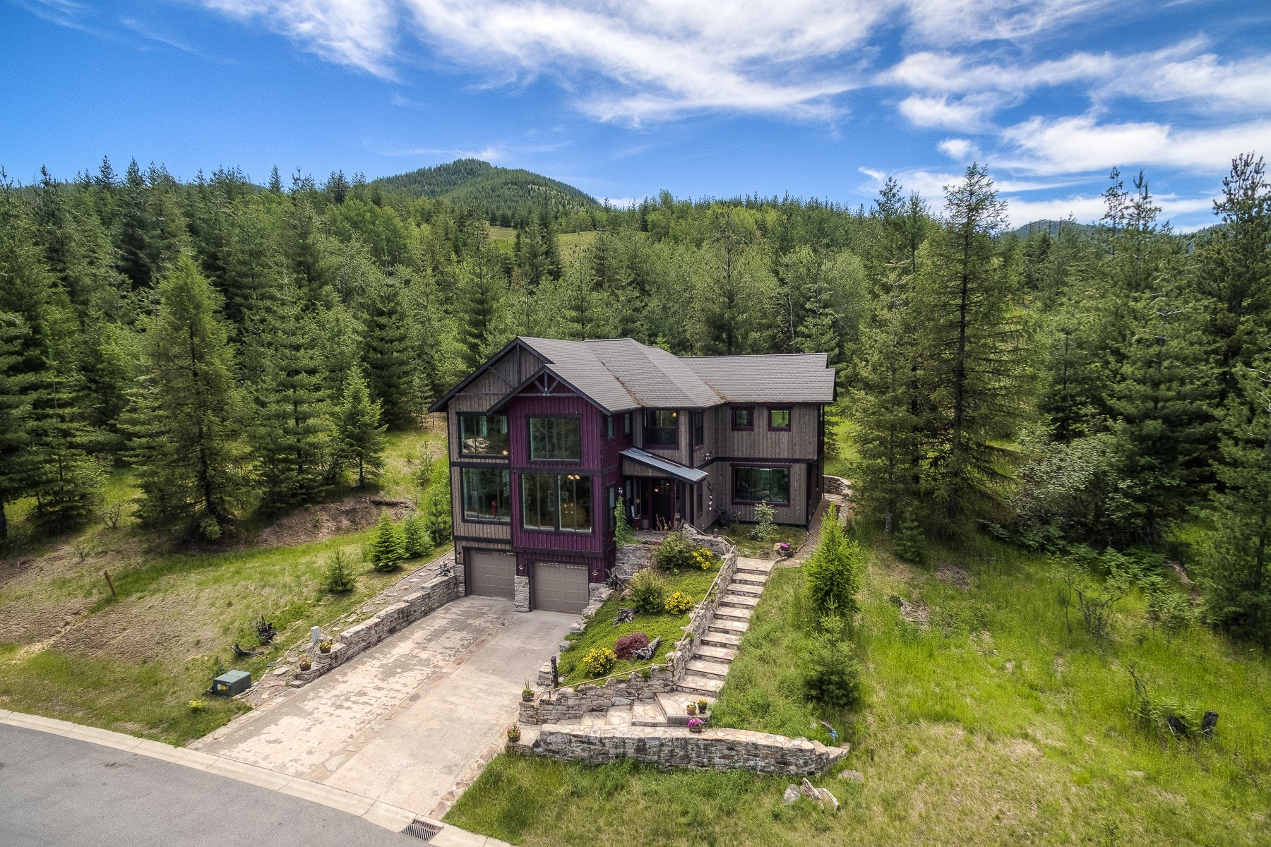 Single Family Homes for Active at RUSTIC MOUNTAIN ELEGANCE meets GOLFERS paradise! 269 Diamond Hitch Dr Kellogg, Idaho 83837 United States