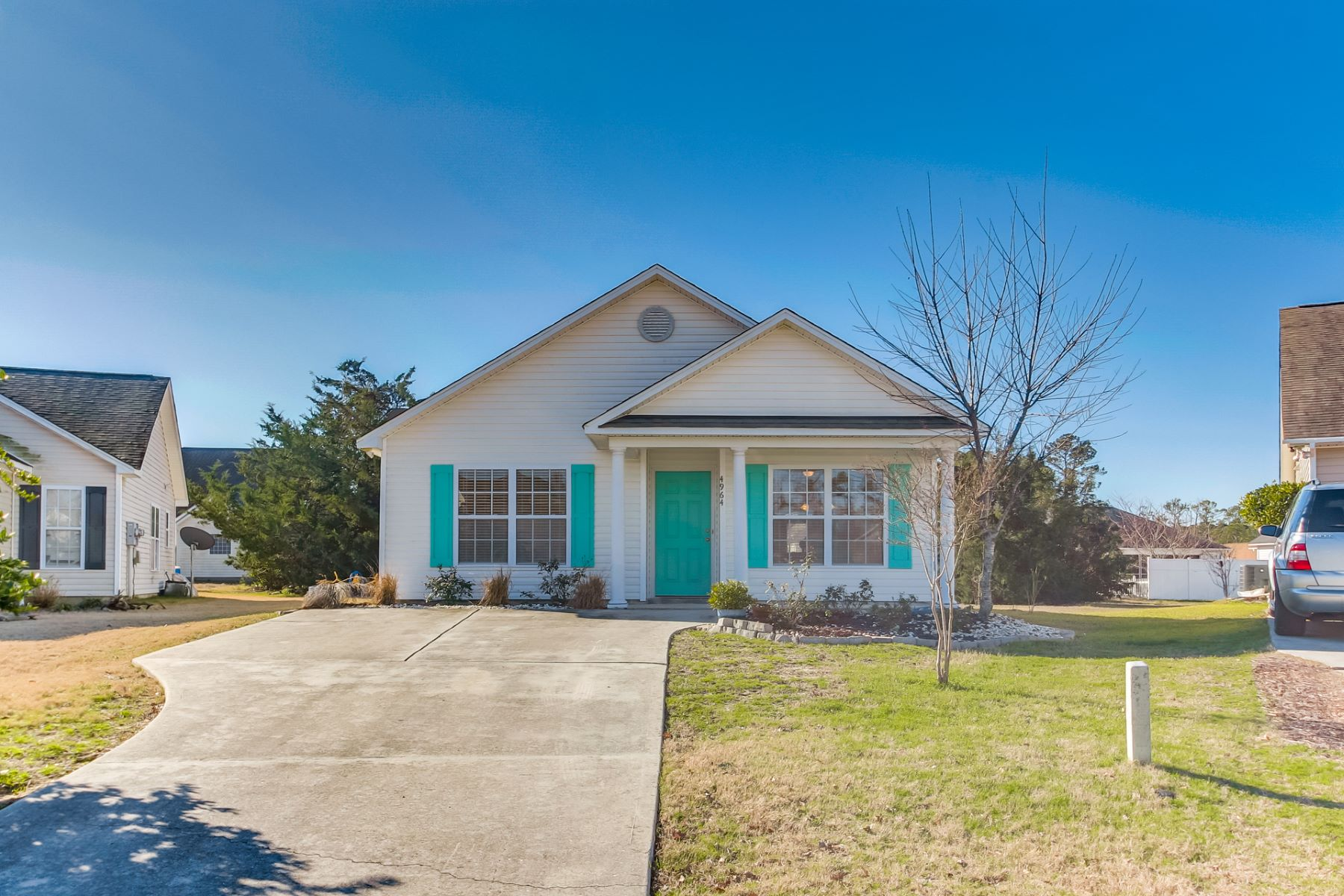 Single Family Home for Active at Cottage Home on Quiet Cul-De-Sac 4964 Montserrat Drive Southport, North Carolina 28461 United States