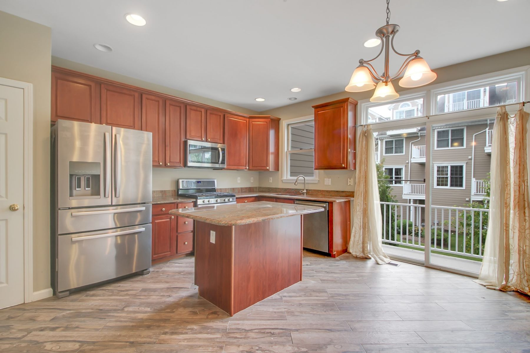 Apartments for Rent at Beautifully renovated 3 Bedroom + Loft / 3.5 Bathroom 435 Albany CT #435, West New York, New Jersey 07093 United States