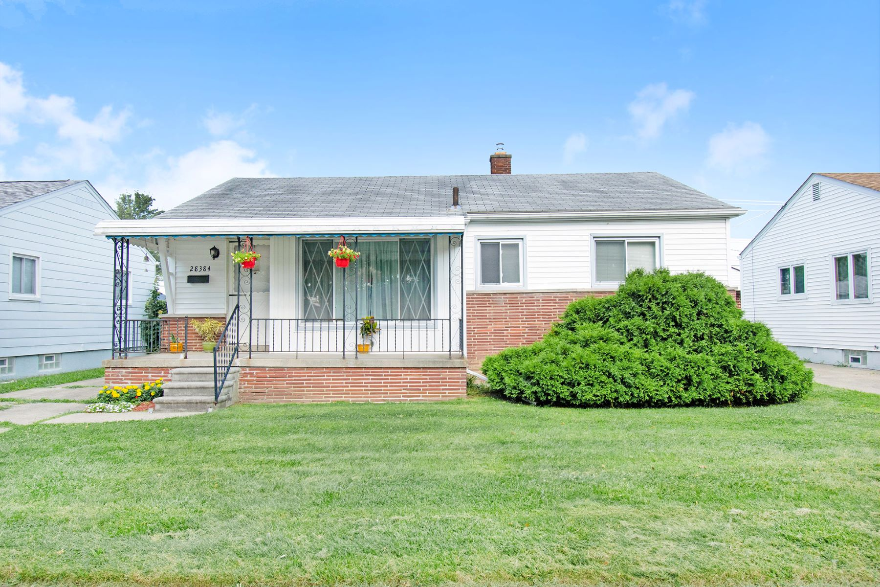Single Family Homes for Sale at Madison Heights 28384 Alger Madison Heights, Michigan 48071 United States