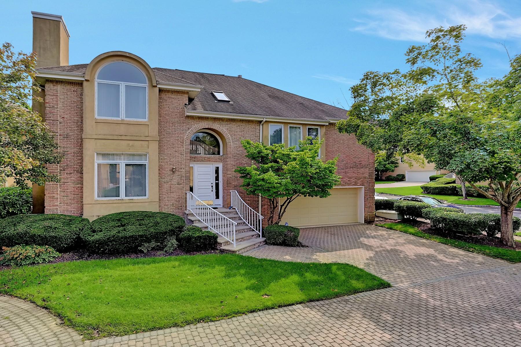Single Family Homes pour l Vente à Beau Ridge Alabaster Model 206 Farmington Woods Ct N206, Holmdel, New Jersey 07733 États-Unis
