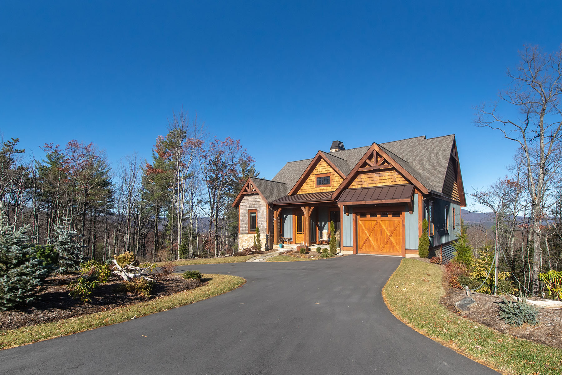 Single Family Homes for Sale at BLUE RIDGE MOUNTAIN CLUB - BOONE 107 Milfoil Ct Boone, North Carolina 28607 United States