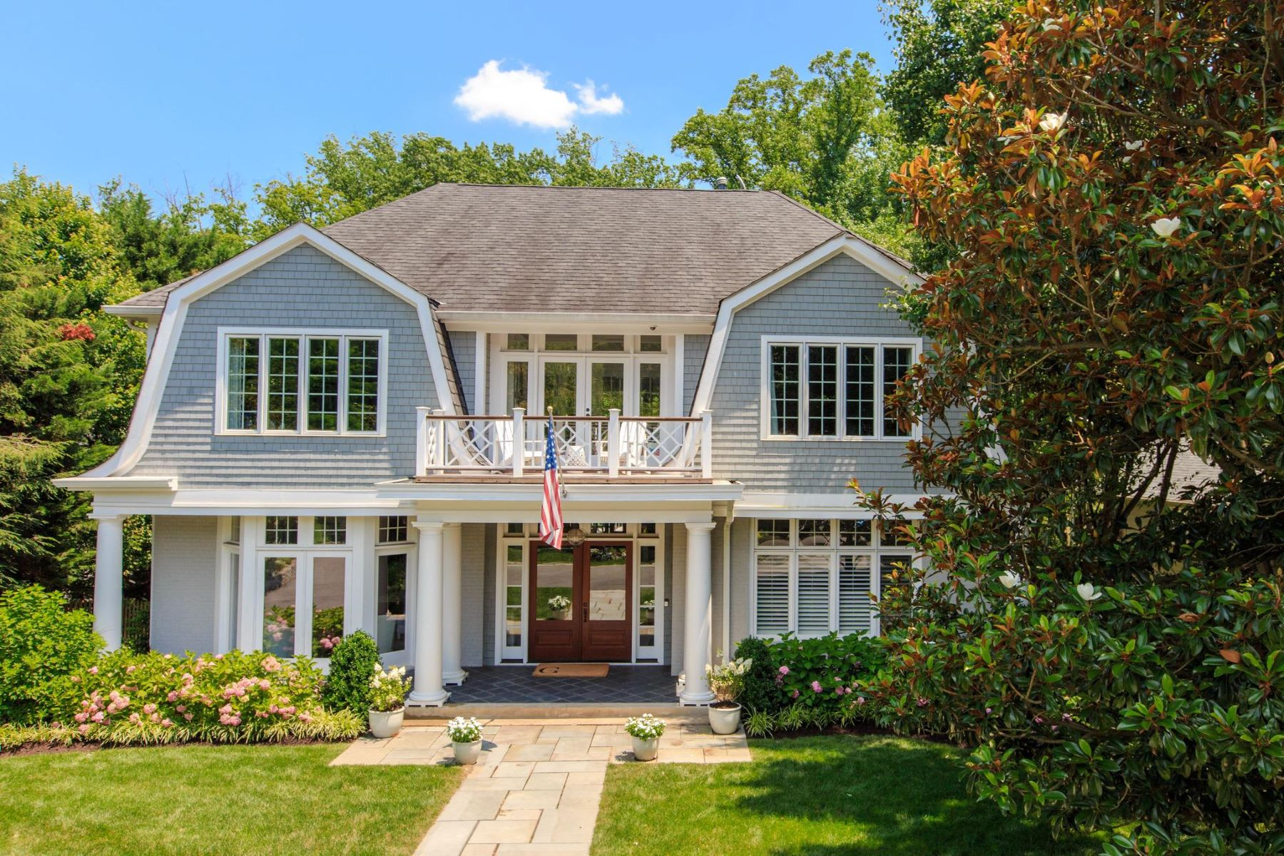 Single Family Homes for Active at 1933 Rockingham St McLean, Virginia 22101 United States