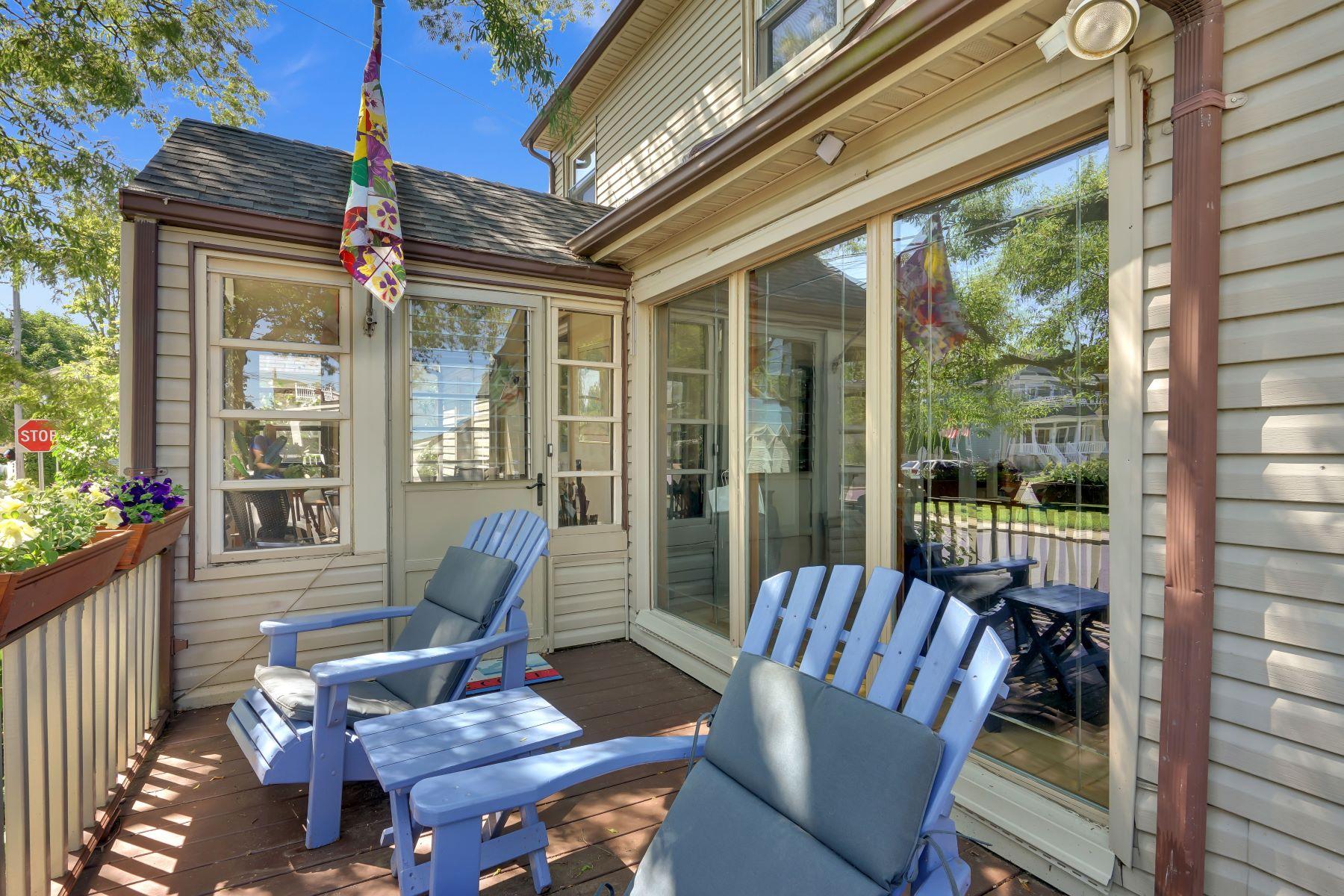 Single Family Homes för Försäljning vid Charming Custom Home 504 17th Avenue, Lake Como, New Jersey 07719 Förenta staterna