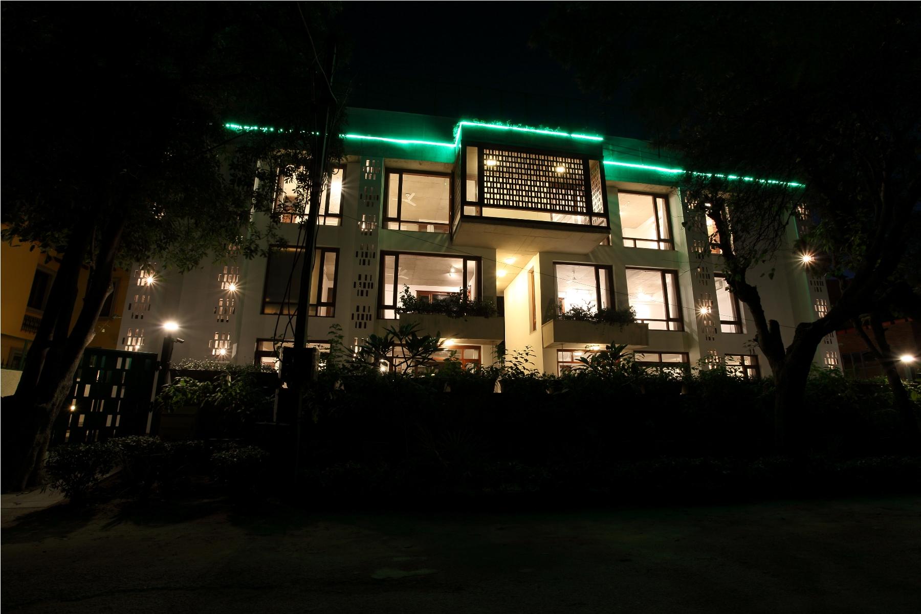Multi-Family Home for Sale at DLF City Phase 1- Hari ki Sarai Bungalow DLF City Phase 1 Sector 26 Gurgaon, Haryana, 122002 India