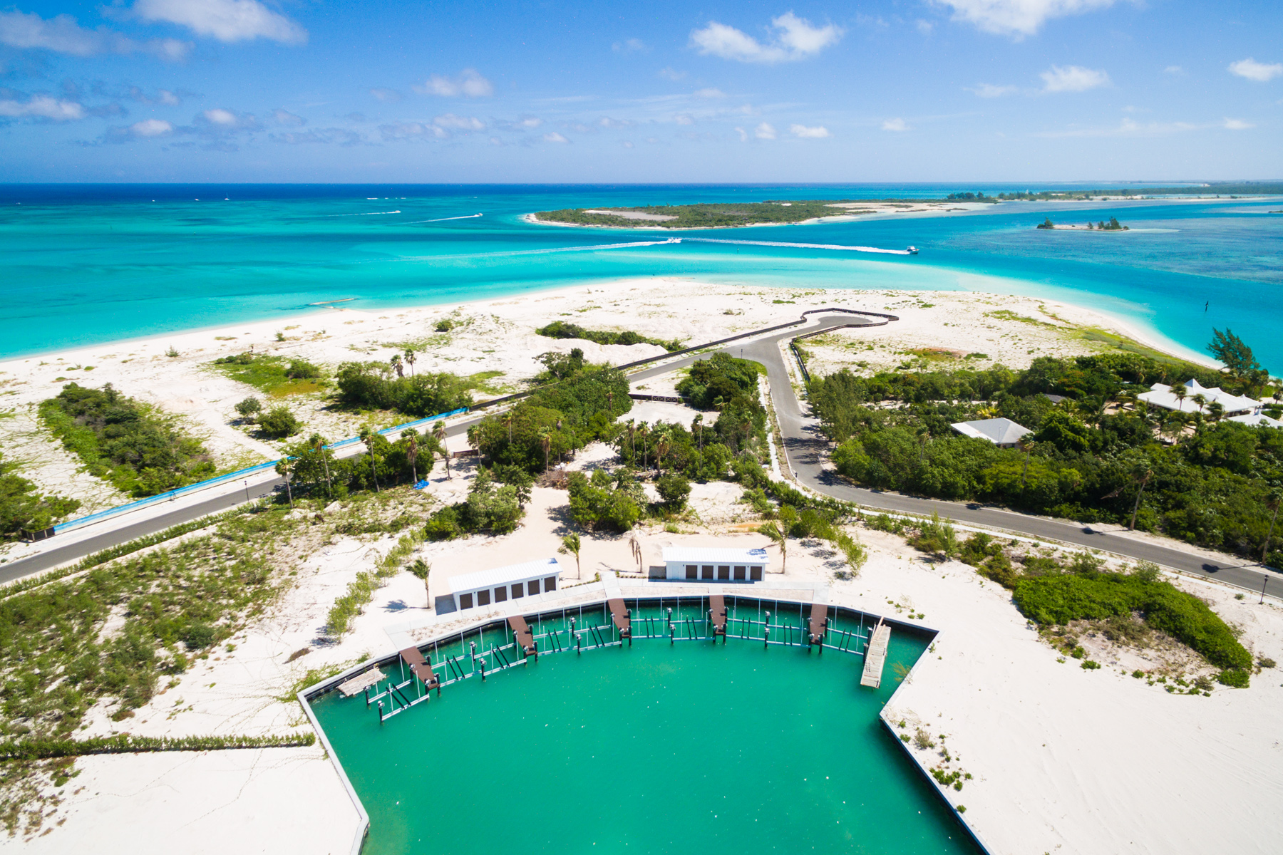 Additional photo for property listing at Emerald Estate Beach Villa Emerald Estate, Prince of Wales Drive Leeward, Providenciales TKCA 1ZZ Turks And Caicos Islands