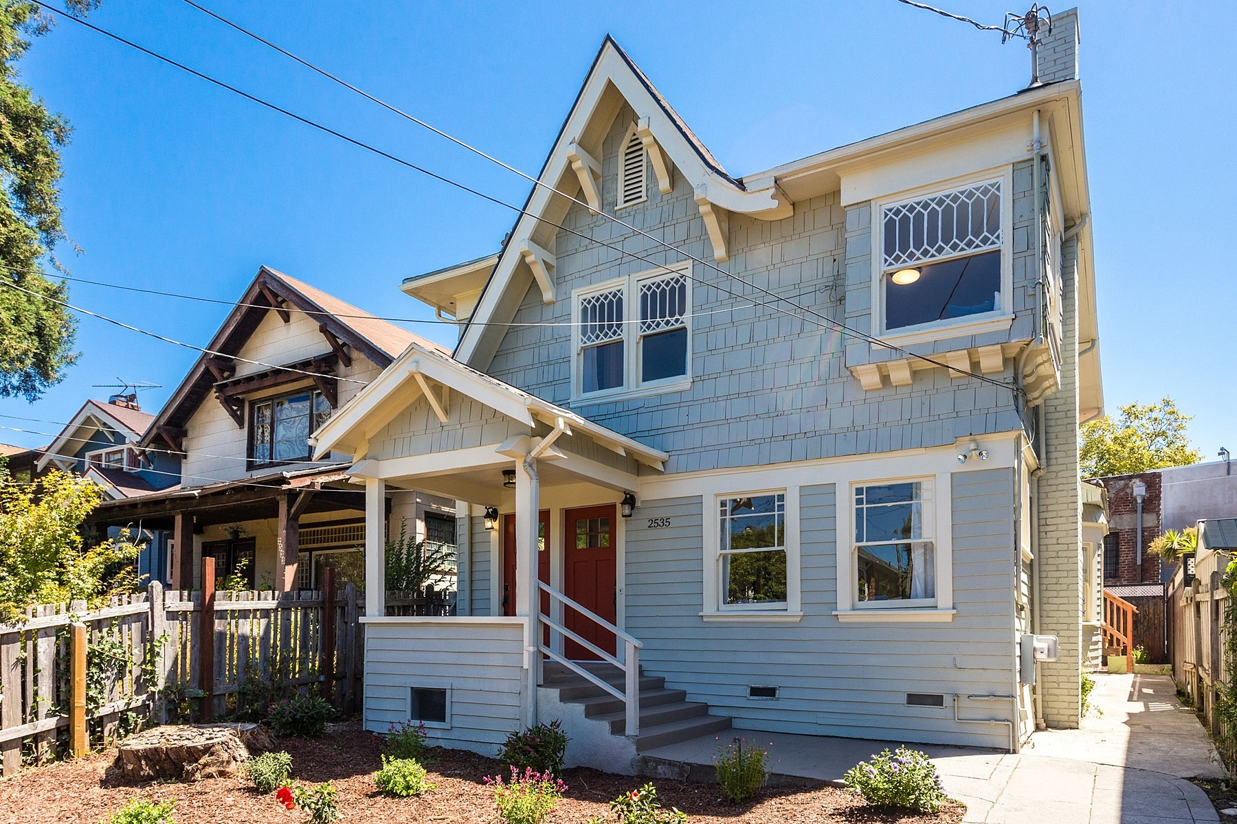 Additional photo for property listing at Charming And Sunny Duplex 2535 Chilton Way Berkeley, Kalifornien 94707 Vereinigte Staaten