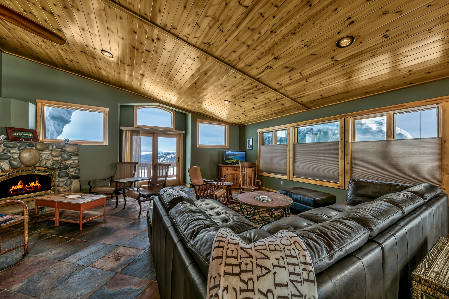 Property for Active at 14476 Skislope Way, Truckee, CA 14476 Skislope Way Truckee, California 96161 United States