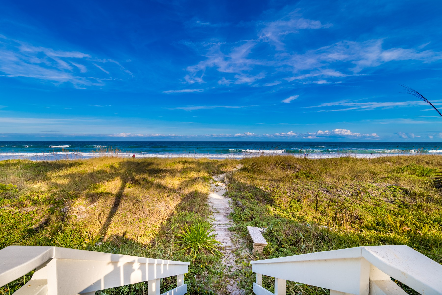 Additional photo for property listing at Beautiful Oceanfront estate property in rarely available Indialantic by the Sea. 1517 S Miramar Avenue Indialantic, Florida 32903 Vereinigte Staaten
