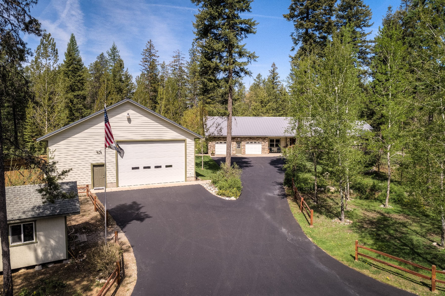 Single Family Home for Active at Spectacular Home And Acreage 33146 N Kelso Dr Spirit Lake, Idaho 83869 United States