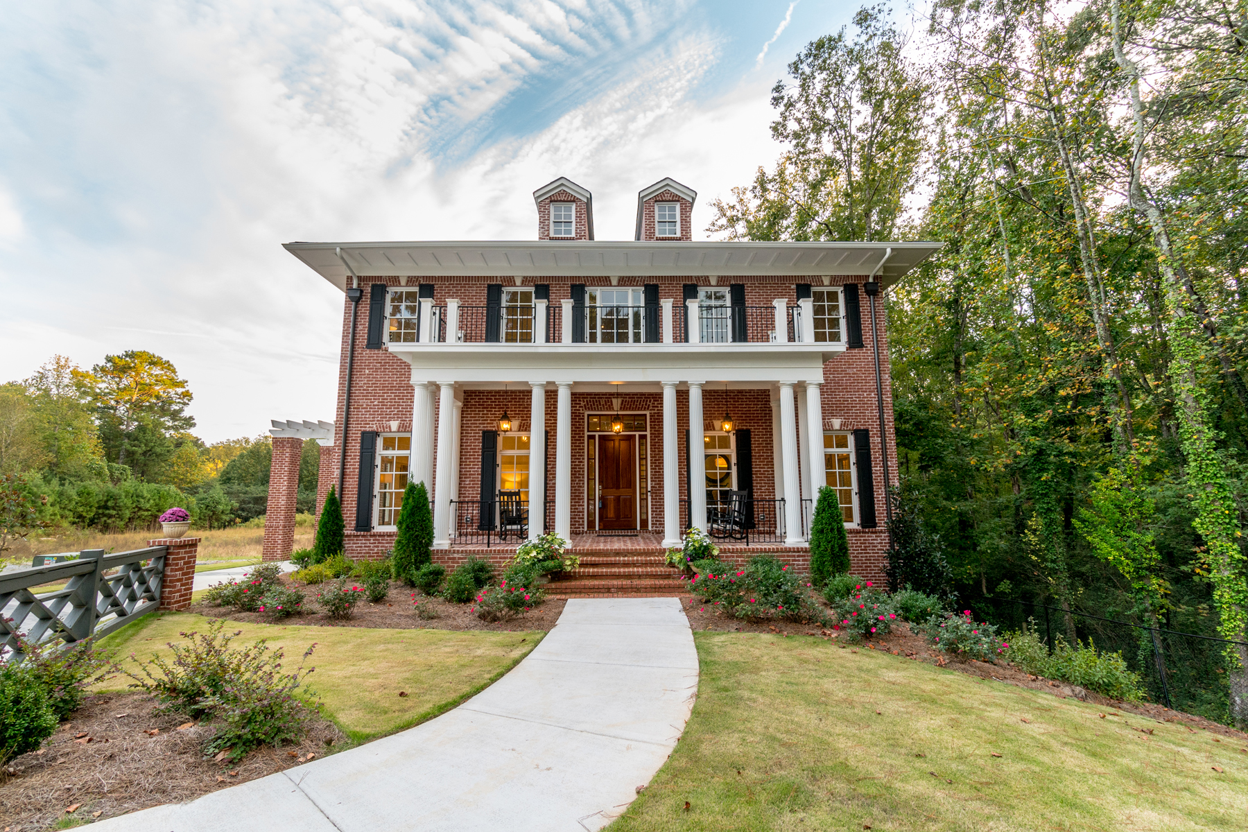Casa Unifamiliar por un Venta en Beautiful Georgian Revival In The Magnolias 5140 Timber Ridge Road, Marietta, Georgia, 30068 Estados Unidos