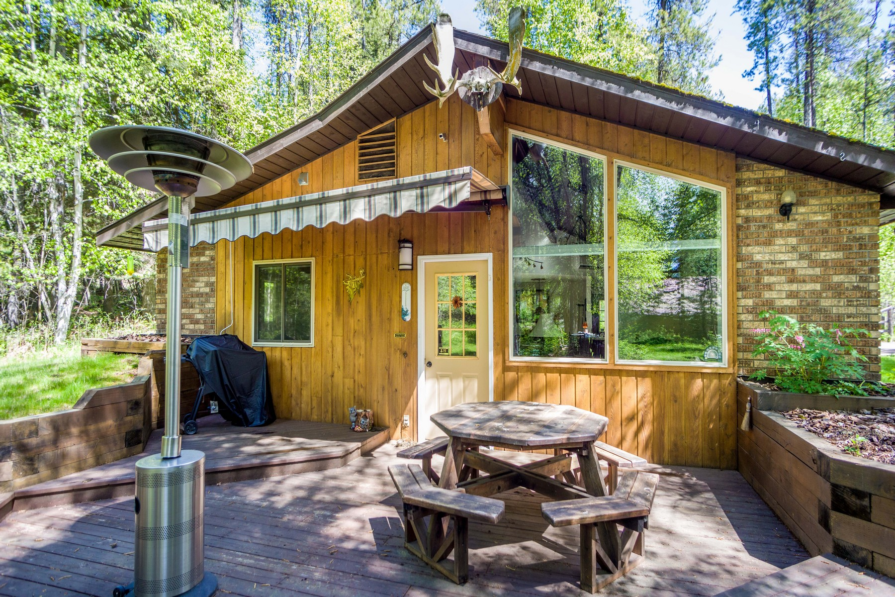 Additional photo for property listing at 40 Lazy Swan Ln , Bigfork, MT 59911 40  Lazy Swan Ln Bigfork, Montana 59911 United States