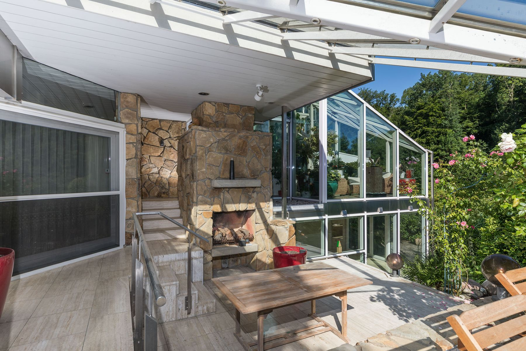 Additional photo for property listing at Aachen Luxurious villa Aachen south Aachen, North Rhine Westphalia 52076 Germany