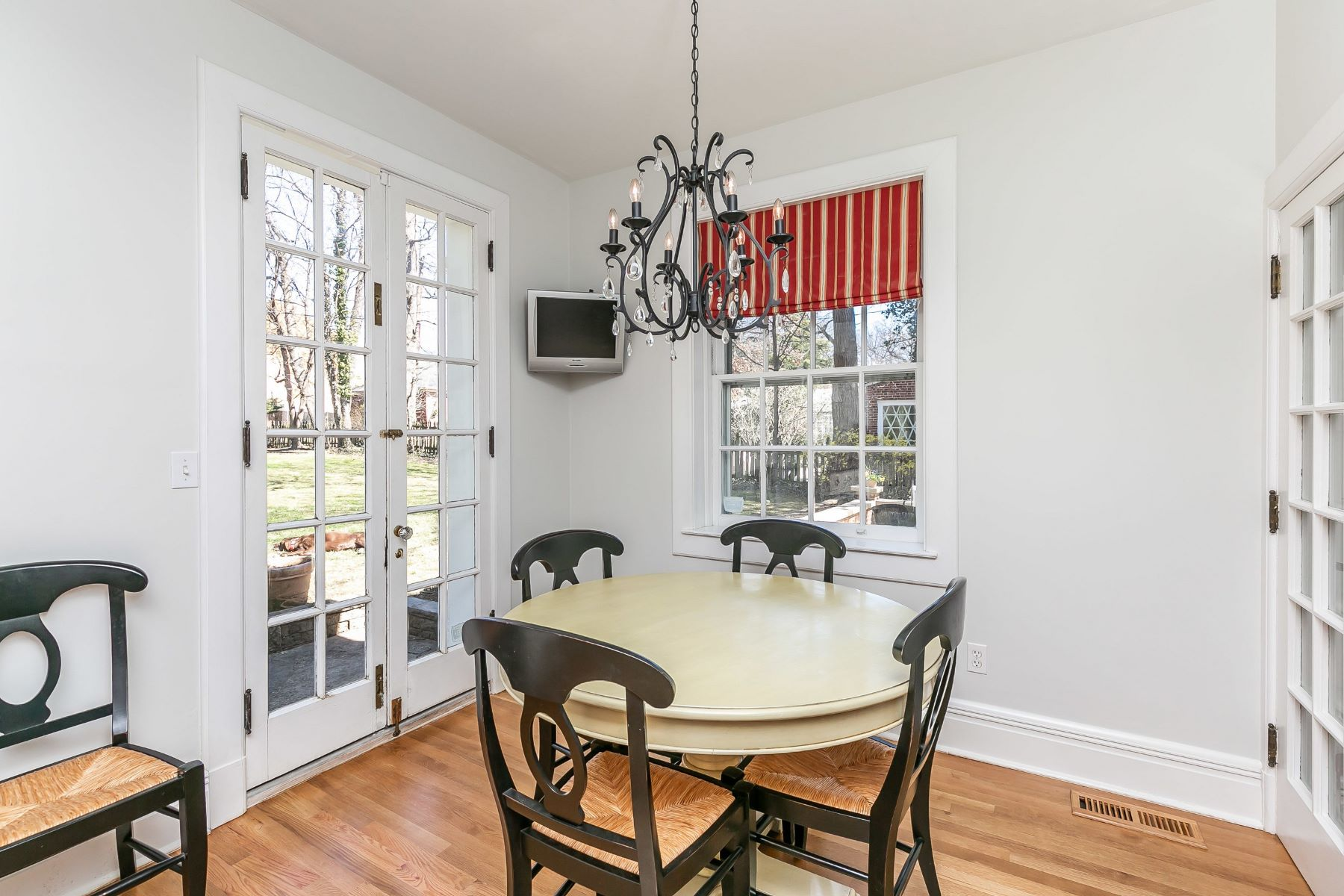 Additional photo for property listing at Guilford 218 Northway, Baltimore, メリーランド 21218 アメリカ