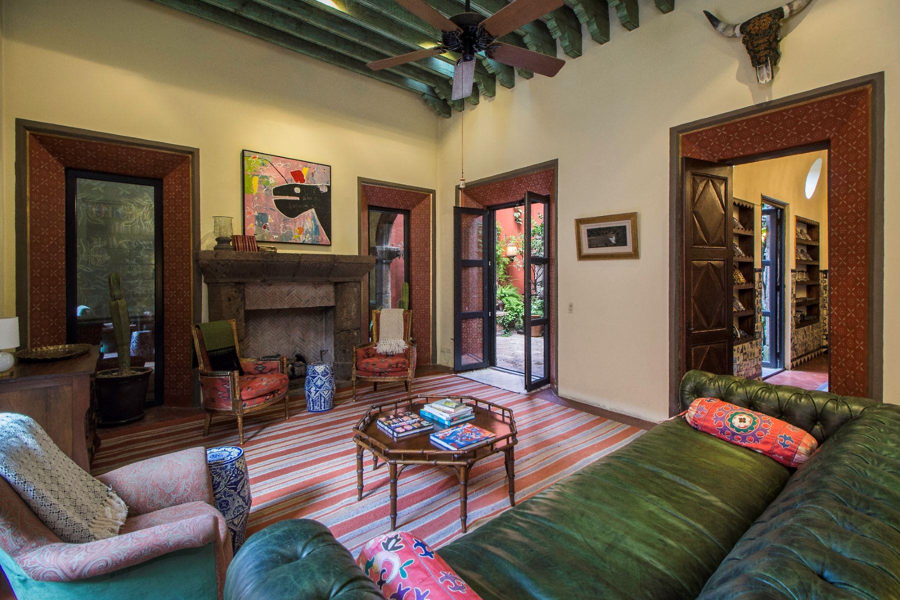 Additional photo for property listing at CASA DOS PECES Centro, San Miguel De Allende, Guanajuato Mexico