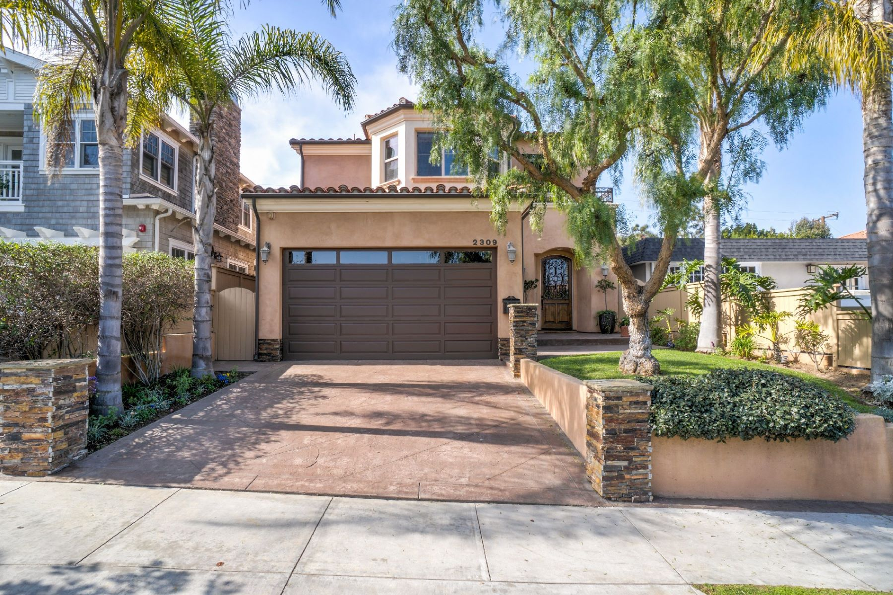 Single Family Home for Sale at 2309 Pacific Av, Manhattan Beach 90266 2309 Pacific Ave Manhattan Beach, California 90266 United States