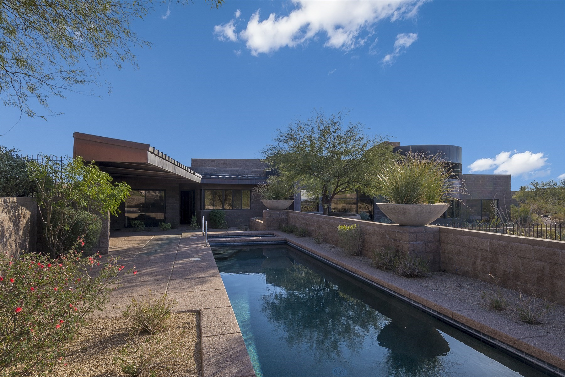 Single Family Home for Sale at Spectacular soft contemporary home 9828 E Hidden Valley Rd, Scottsdale, Arizona, 85262 United States