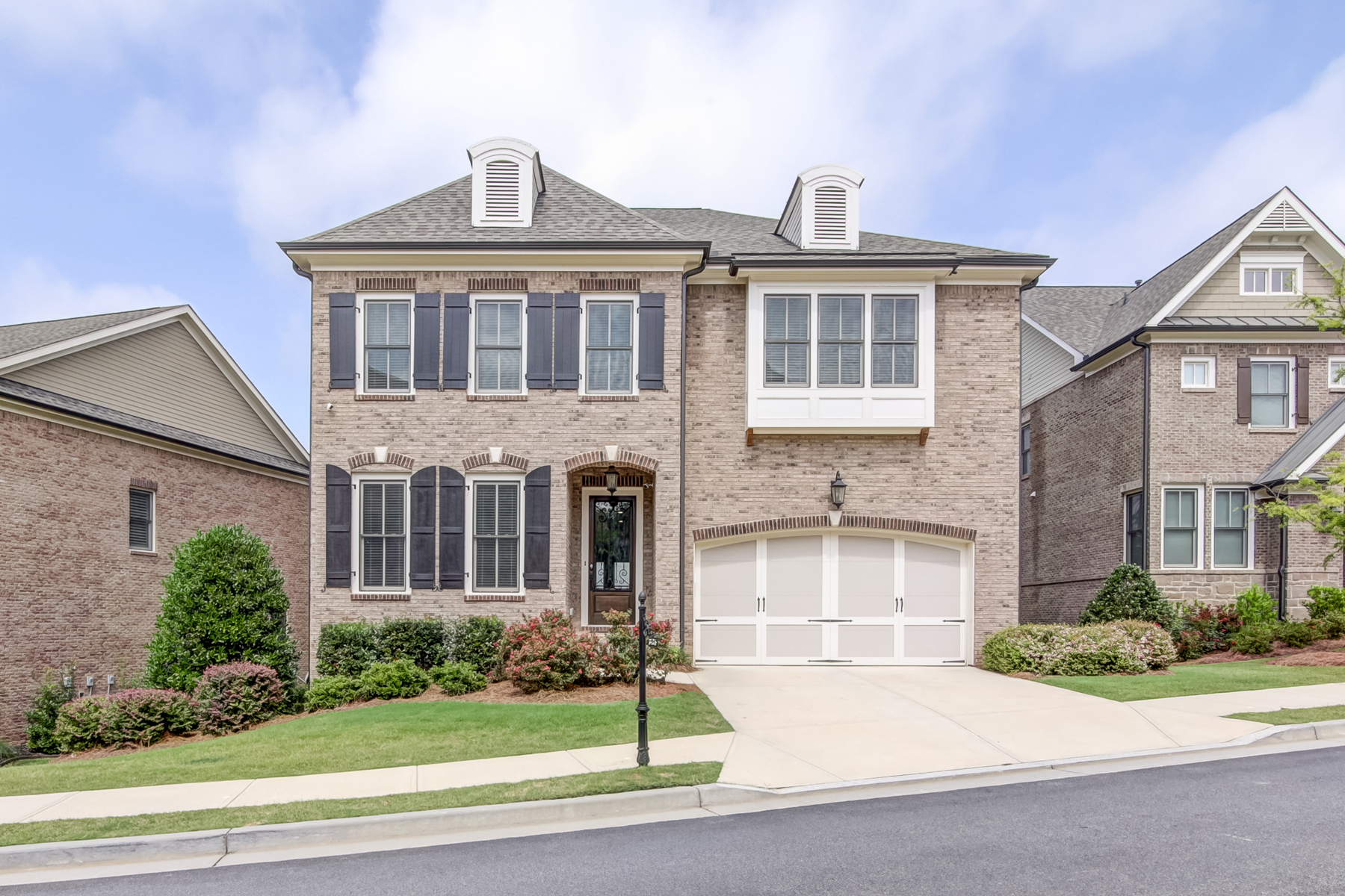 Single Family Home for Sale at Entertainer's Delight 3405 Bryerstone Circle SE Smyrna, Georgia 30080 United States