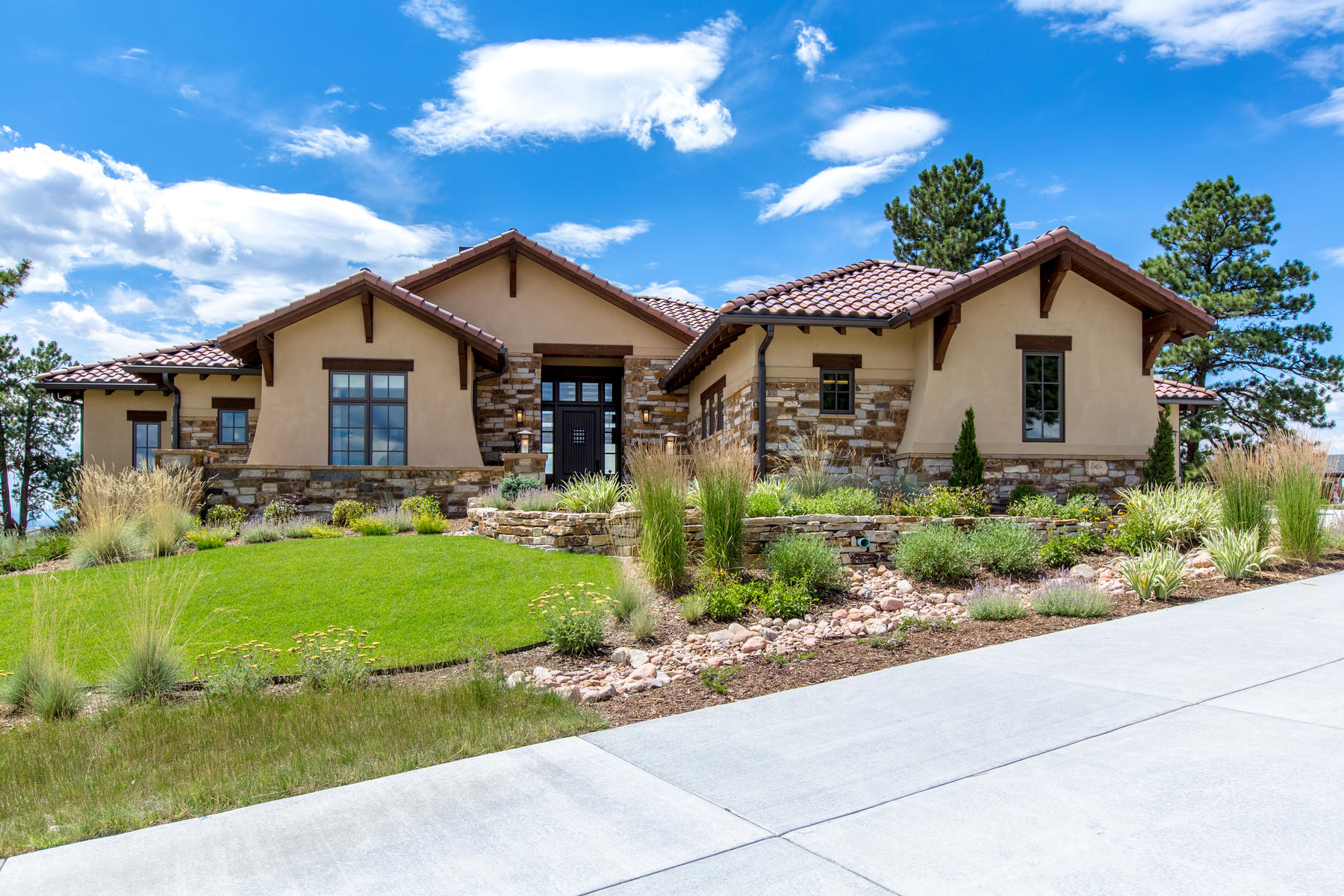Single Family Homes for Sale at Live in One of Metro-Denver's Most Desirable Golf Club Communities 7309 Prairie Star Court, Parker, Colorado 80134 United States