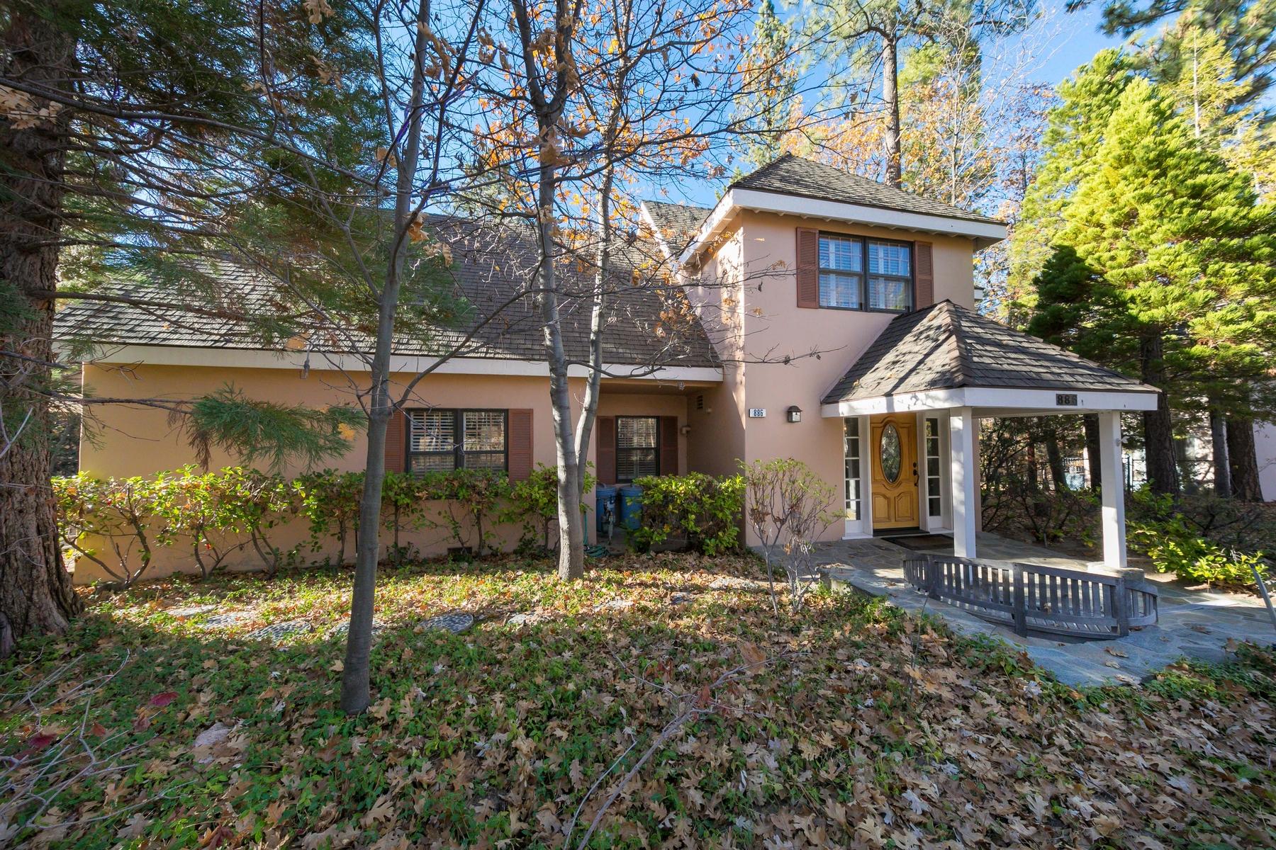 Частный односемейный дом для того Продажа на 886 Osprey Lane, Lake Arrowhead Lake Arrowhead, Калифорния 92352 Соединенные Штаты