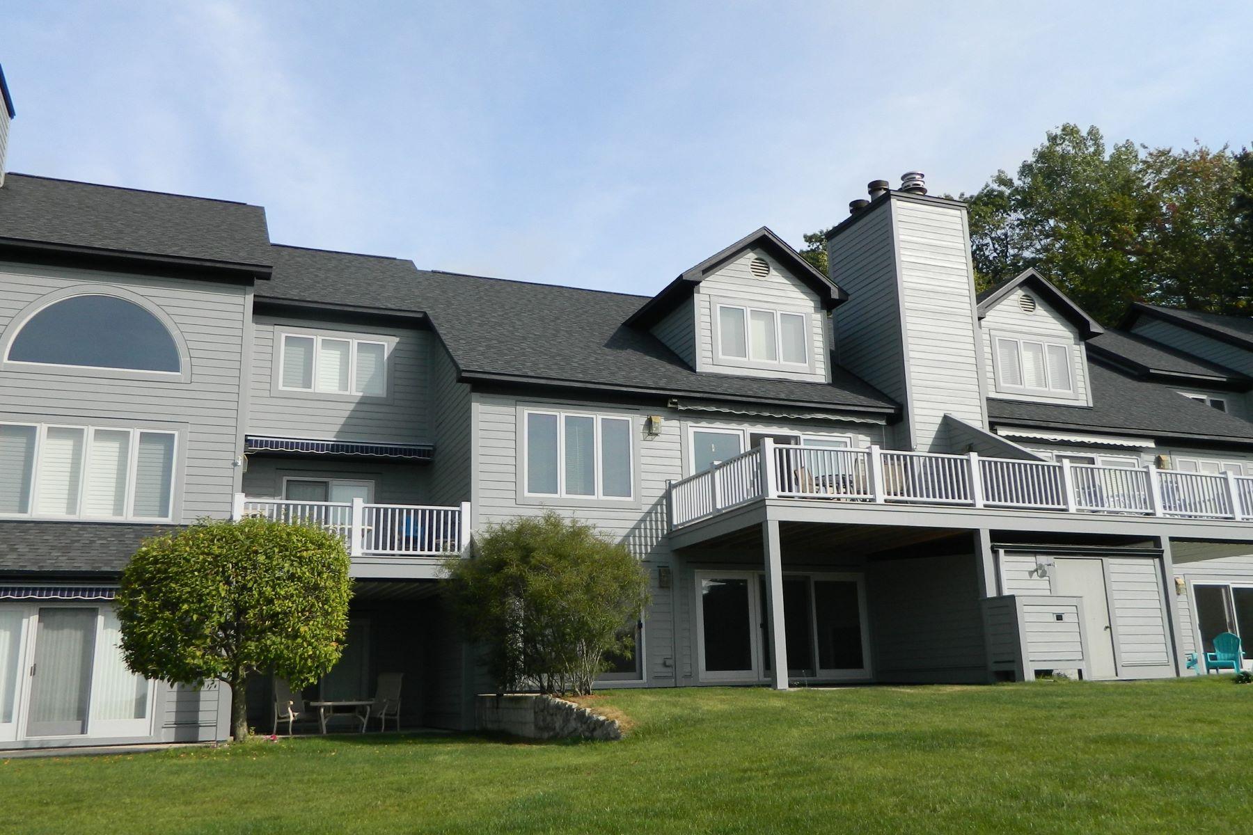 共管式独立产权公寓 为 销售 在 5467 Windigo 哈伯斯普林斯, 密歇根州, 49740 美国