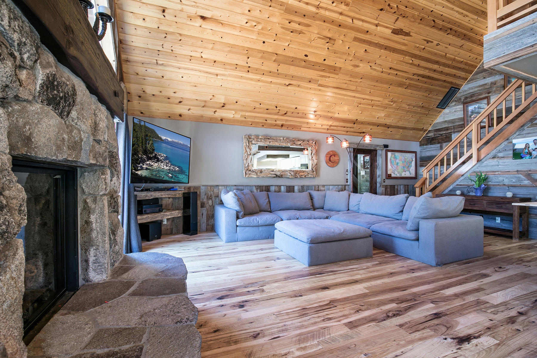 Additional photo for property listing at 13768 Copenhagen Drive, Truckee, CA 96161 13768 Copenhagen Drive Truckee, California 96161 United States