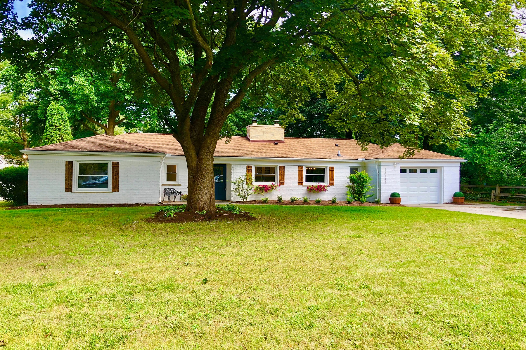 Single Family Homes for Sale at Beverly Hills Vlg 16144 Madoline Street Franklin, Michigan 48025 United States