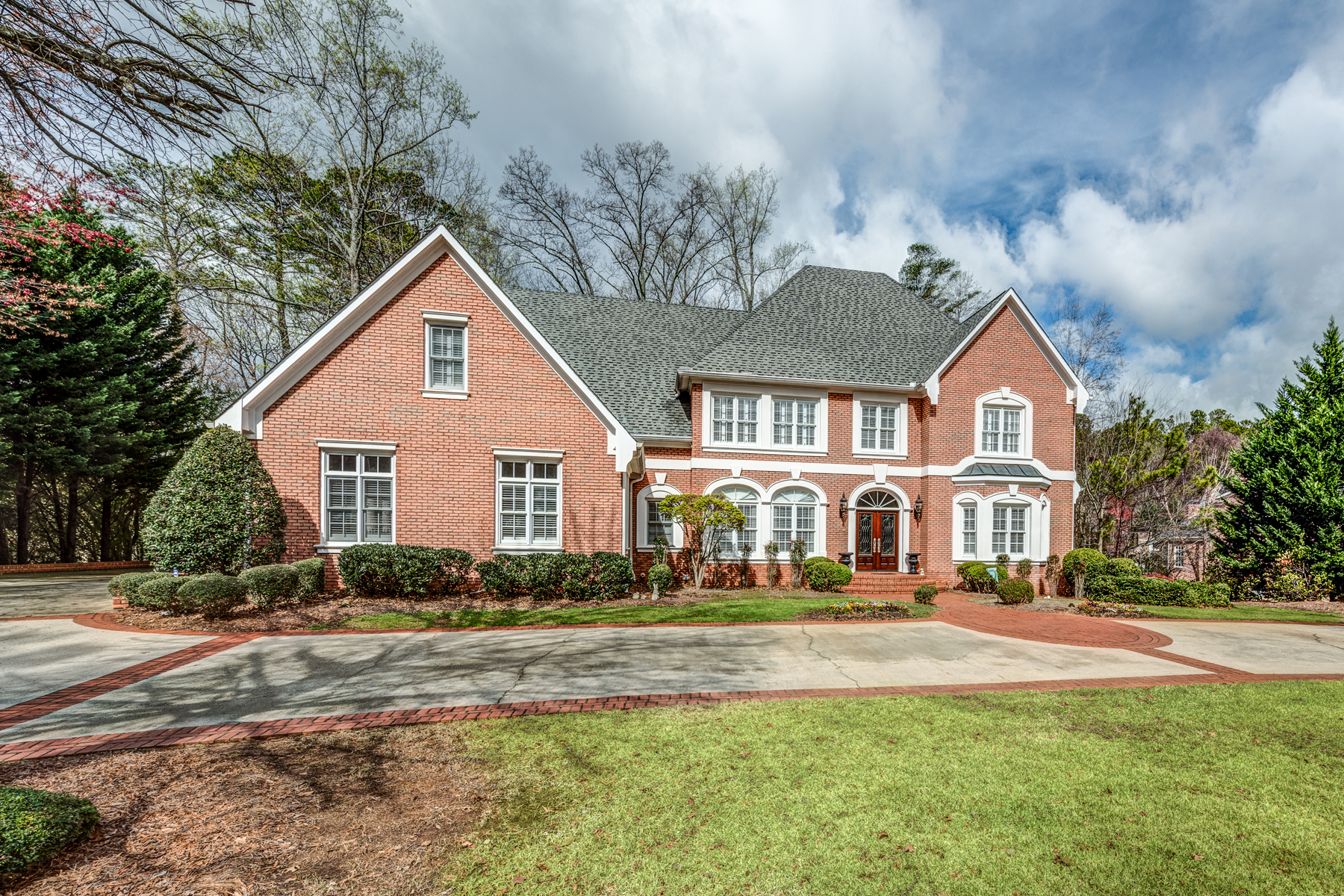 Villa per Vendita alle ore Executive Brick Home With Mountain Views 721 Parkside Trail NW Marietta, Georgia, 30064 Stati Uniti