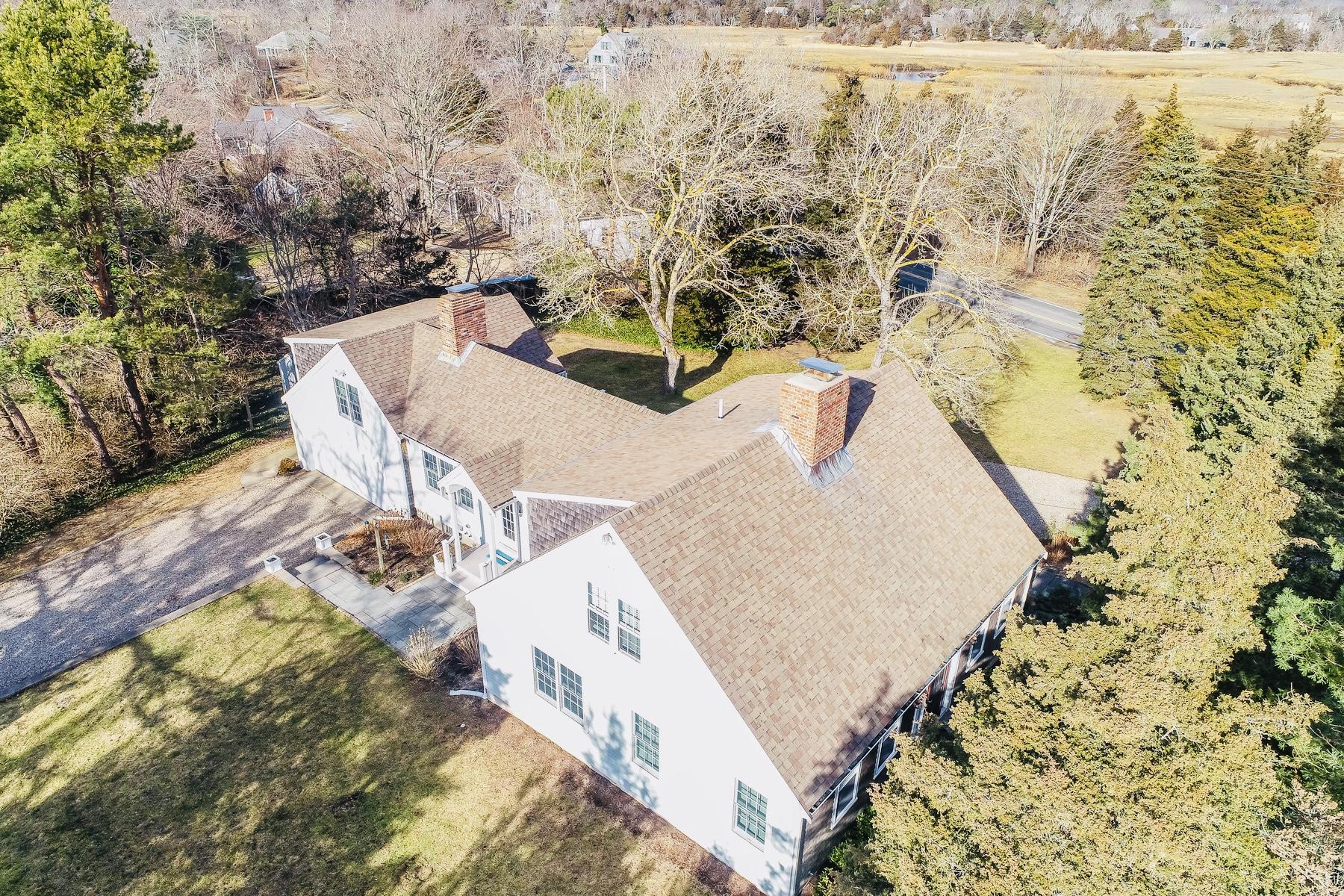 Single Family Homes 为 销售 在 170 Rock Harbor Road, Orleans, MA 02653 170 Rock Harbor Road East Orleans, 马萨诸塞州 02653 美国