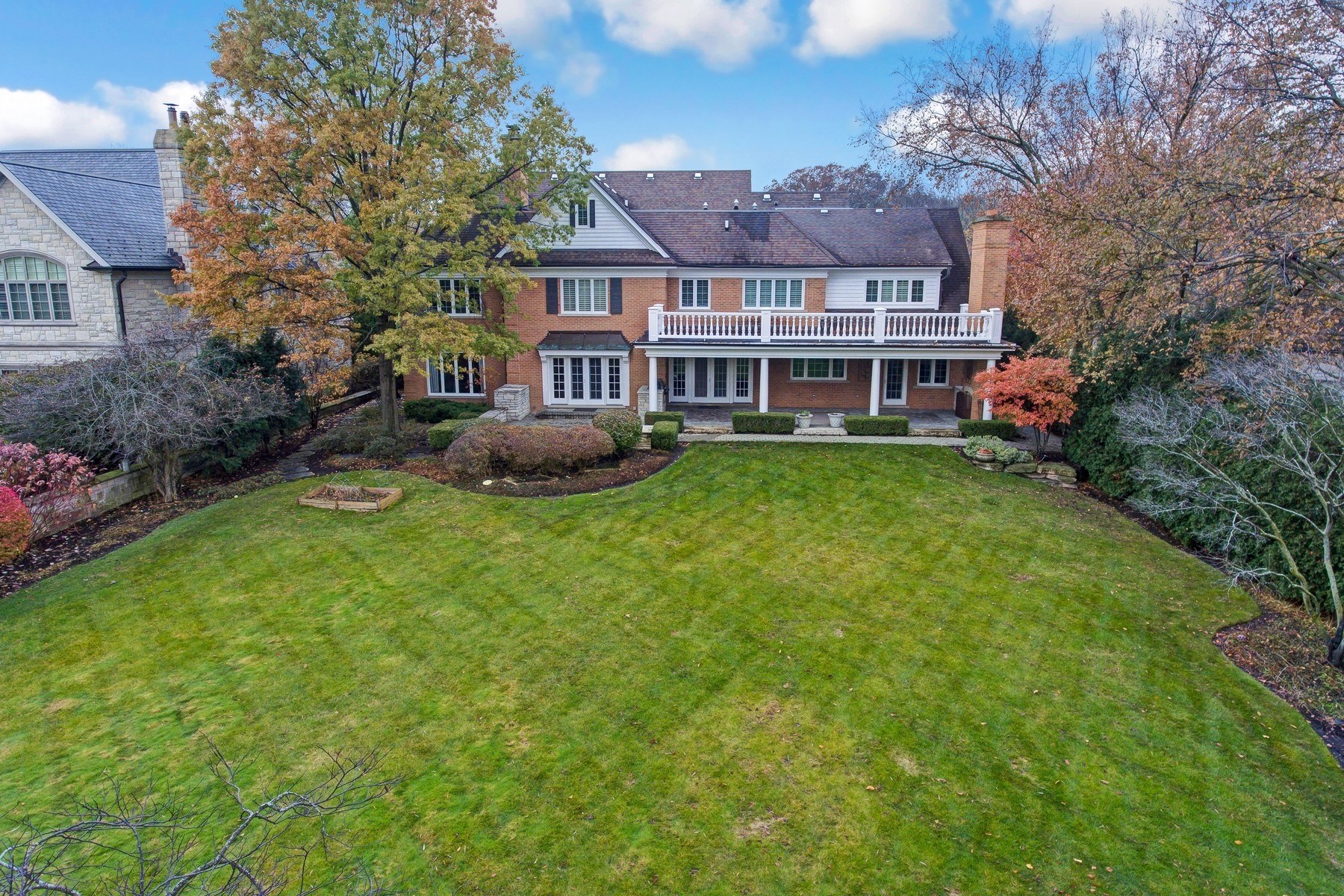 Additional photo for property listing at 835 S. Park 835 S. Park Hinsdale, Illinois 60521 United States