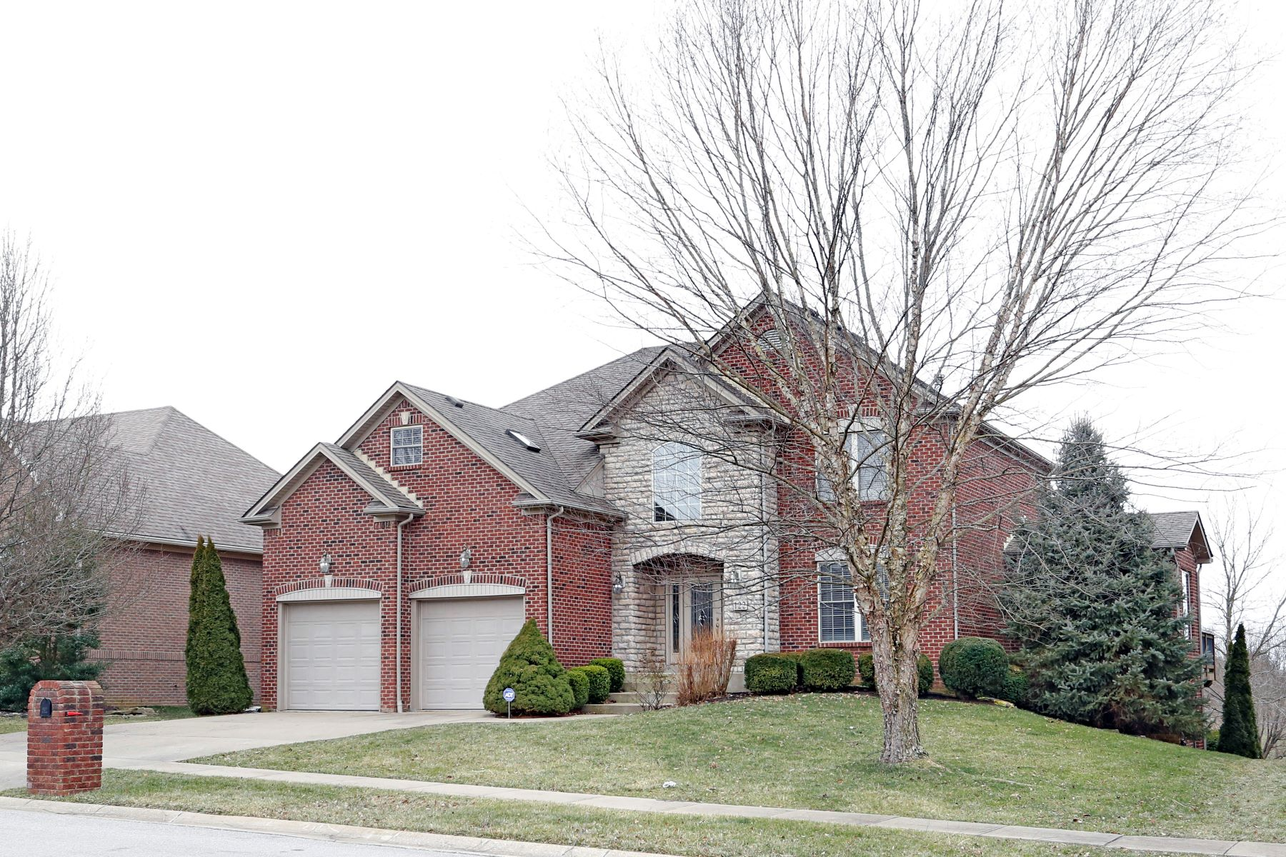 Частный односемейный дом для того Продажа на 122 Kingston Drive Georgetown, Кентукки 40324 Соединенные Штаты