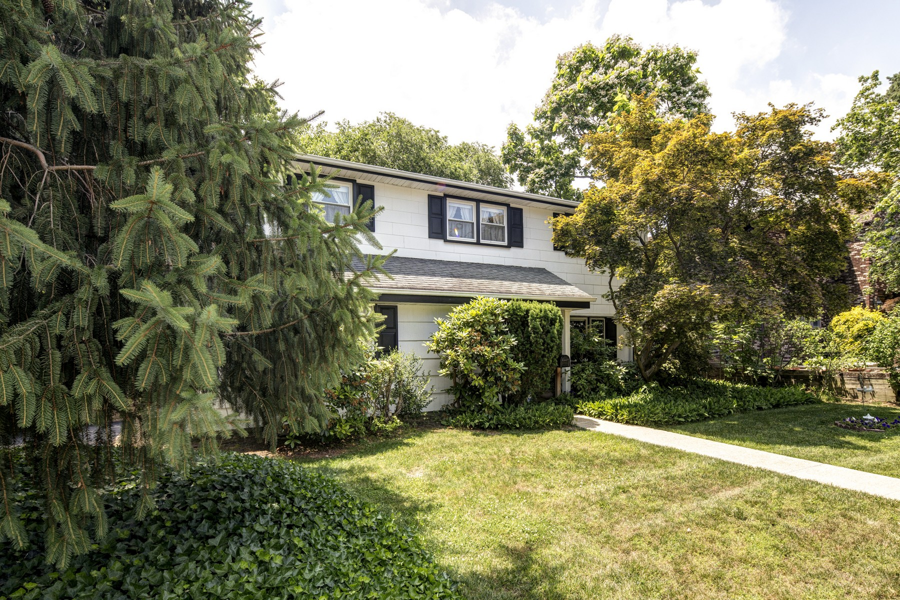 Single Family Home for Sale at 654 Beers Street, Hazlet 654 Beers St. Hazlet, New Jersey, 07730 United States