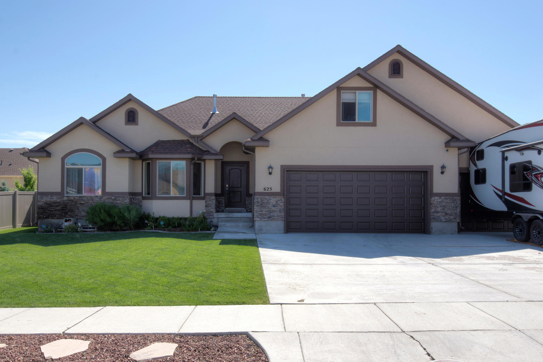 Single Family Home for Sale at This Aspen Pointe home is A MUST SEE! 625 South 820 East Heber City, Utah, 84032 United States