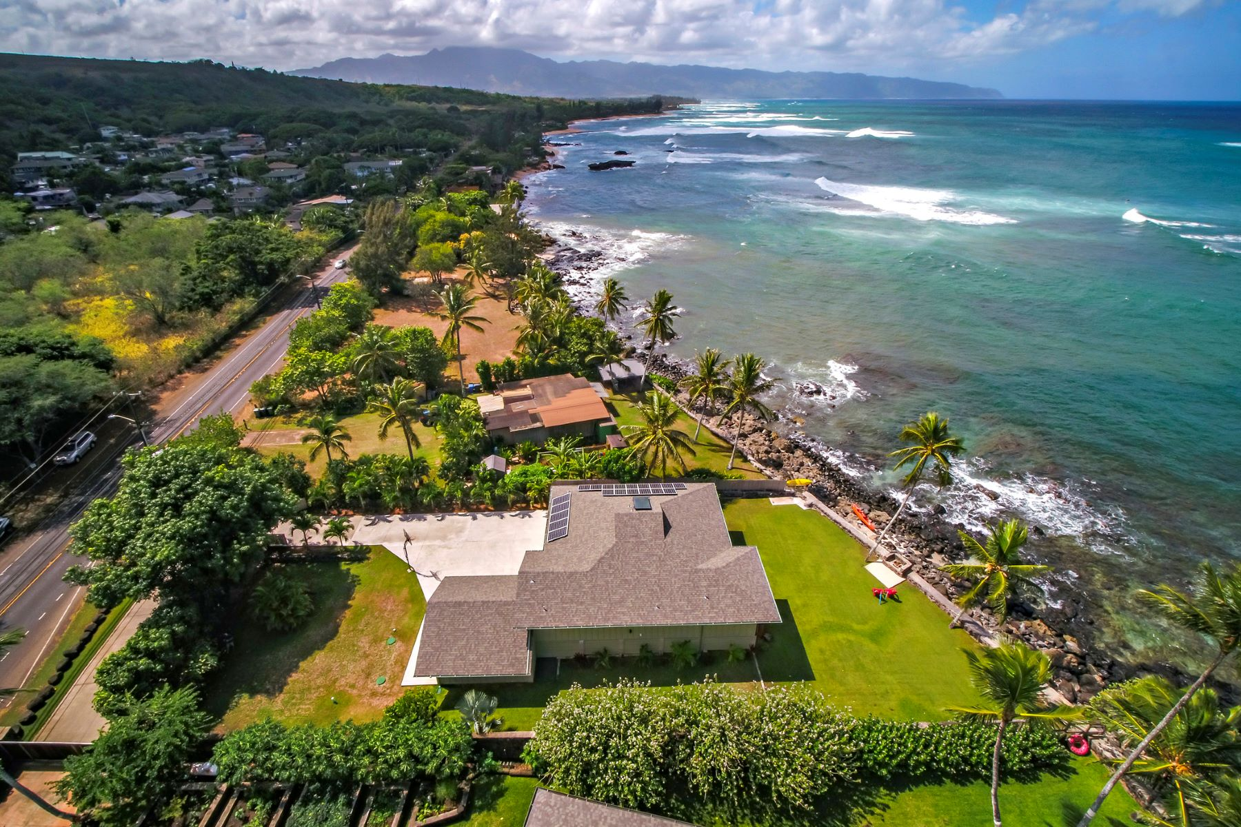 Single Family Home for Sale at The Miracle Mile House 61-237 Kamehameha Highway #A Haleiwa, Hawaii 96712 United States