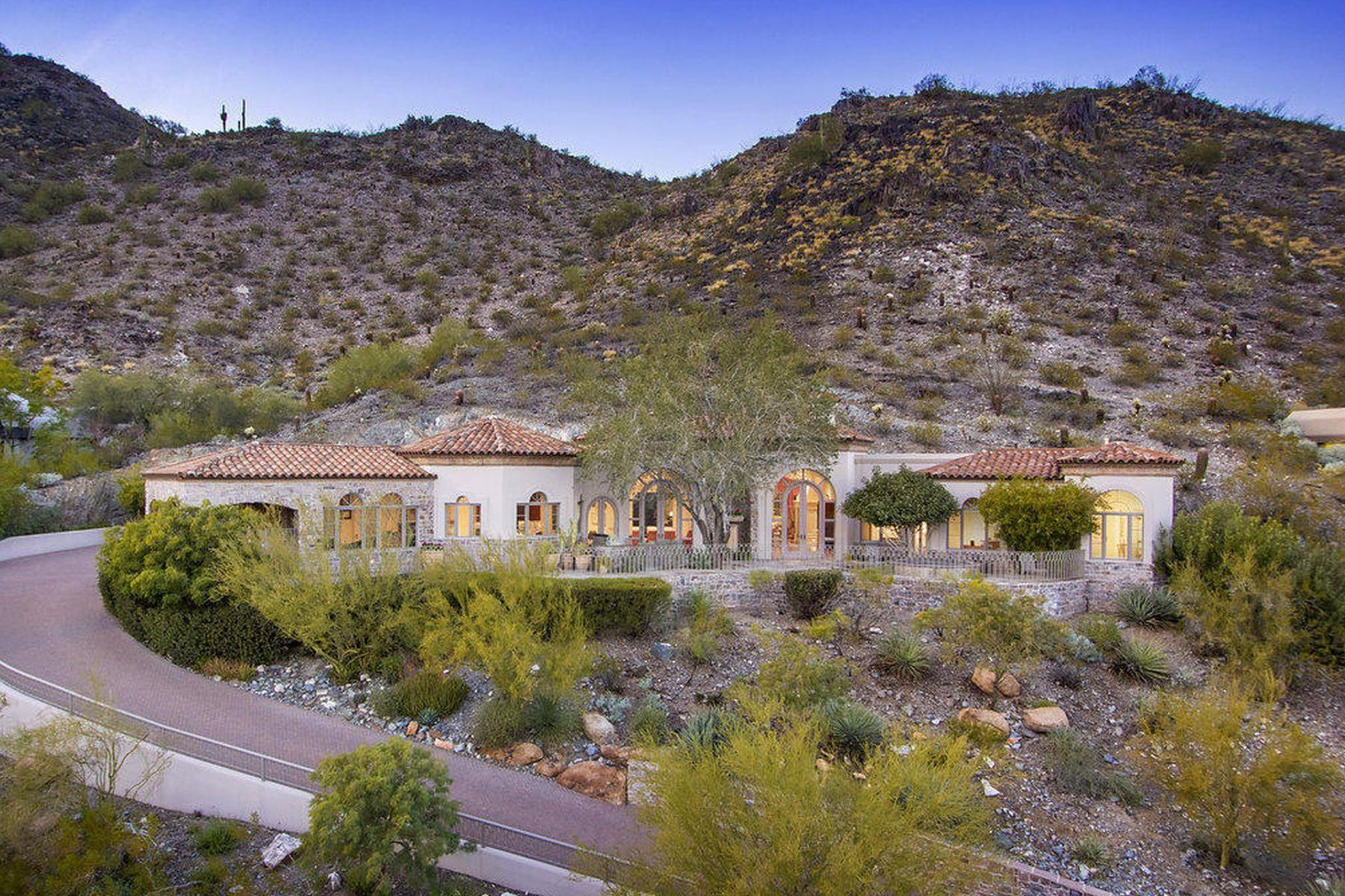 Single Family Home for Sale at Superior Quality Custom Hillside Home 4560 E Foothill Drive, Paradise Valley, Arizona, 85253 United States