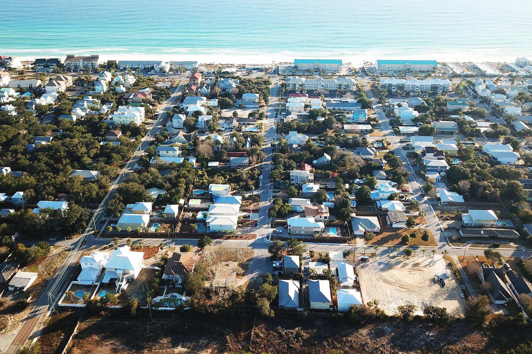 Частный односемейный дом для того Продажа на Largest Single Lot Available in Crystal Beach 4575 Luke Avenue, Destin, Флорида, 32541 Соединенные Штаты