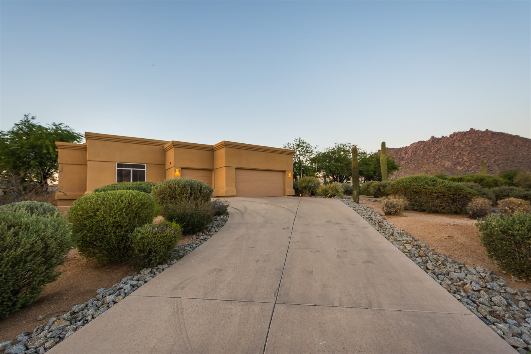 Single Family Home for Sale at Beautifully maintained home with spectacular views 10320 E Ranch Gate Rd Scottsdale, Arizona, 85255 United States