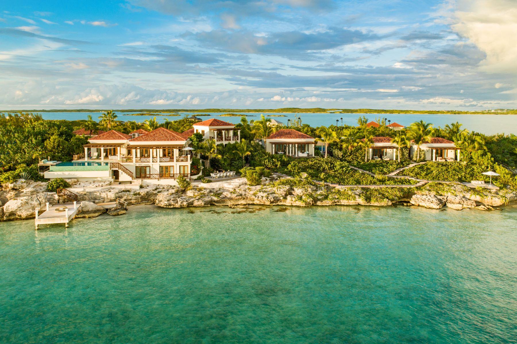 Additional photo for property listing at Dream Big Villa 448 Chalk Sound Drive Sapodilla Bay, Providenciales TCI Turks And Caicos Islands